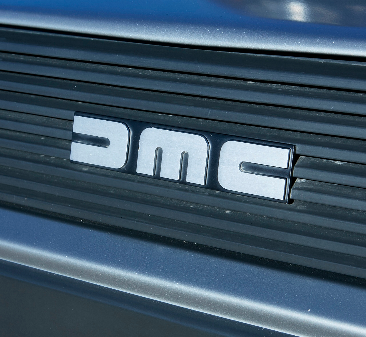 1981 DeLorean DMC-12 5-Speed grille emblem