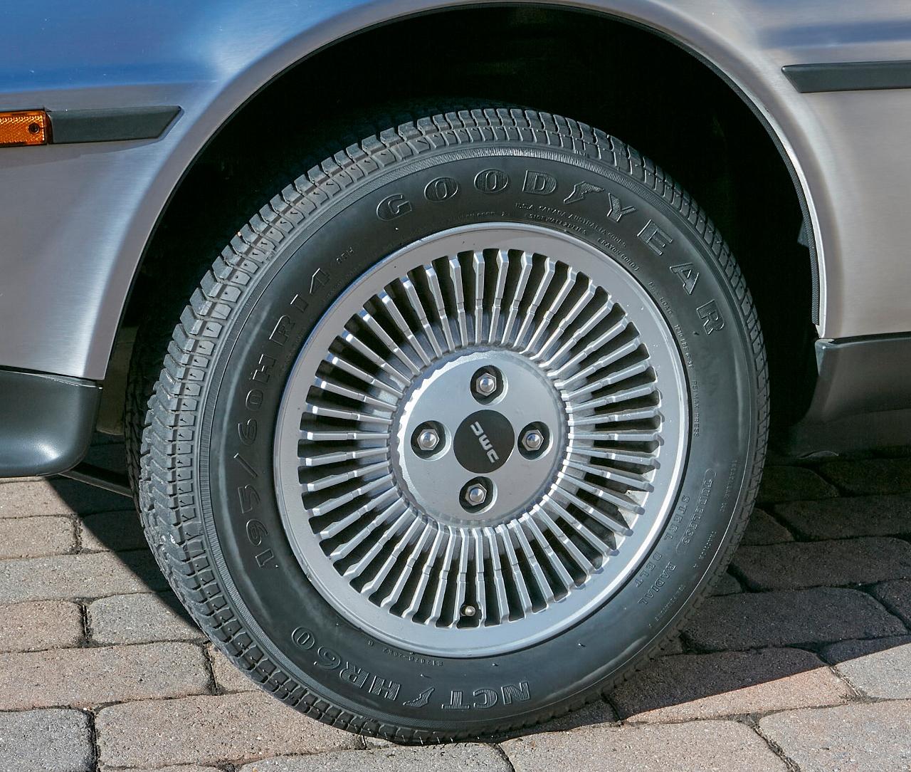 1981 DeLorean DMC-12 5-Speed wheel detail close