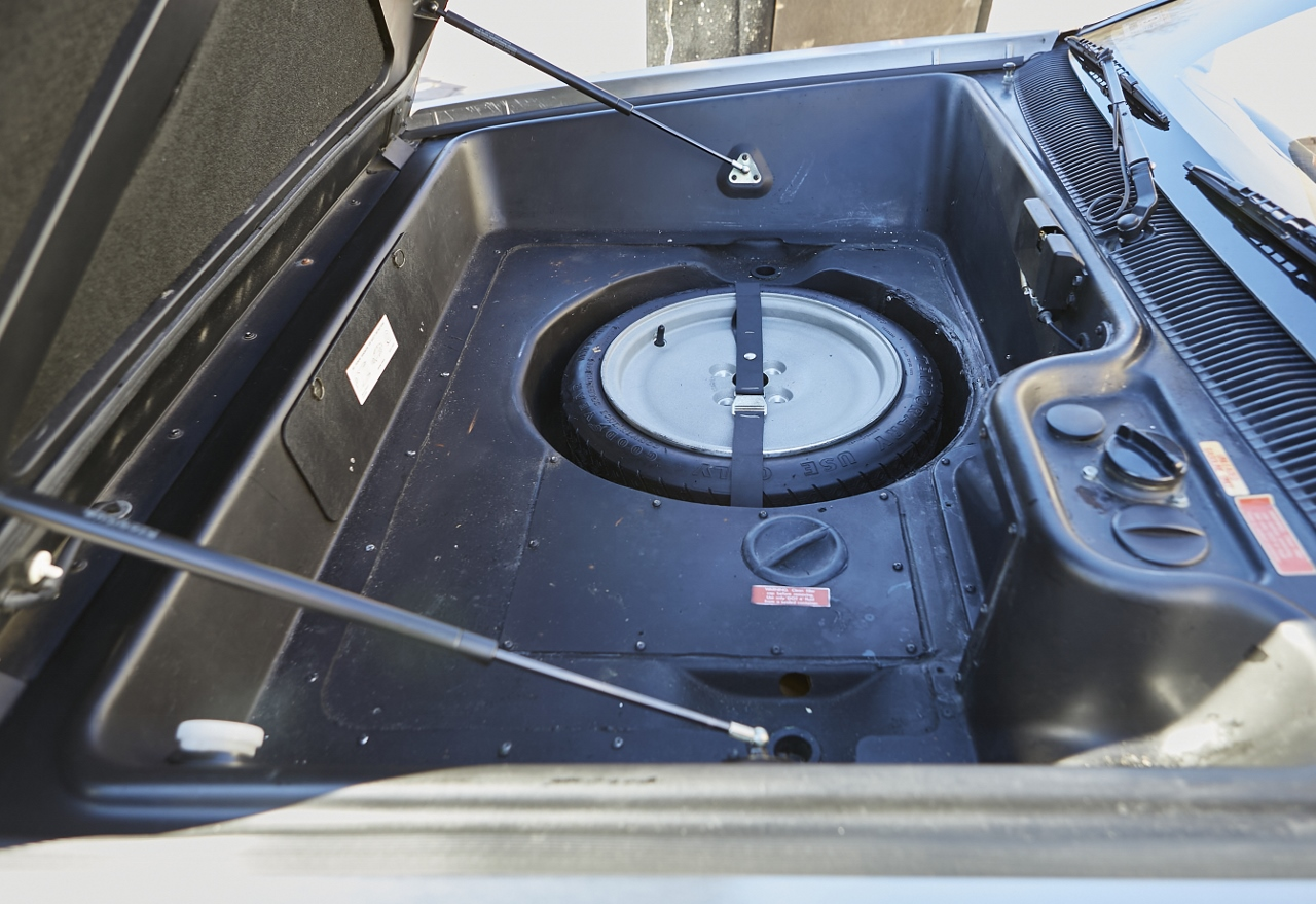 1981 DeLorean DMC-12 5-Speed front trunk and spare tire