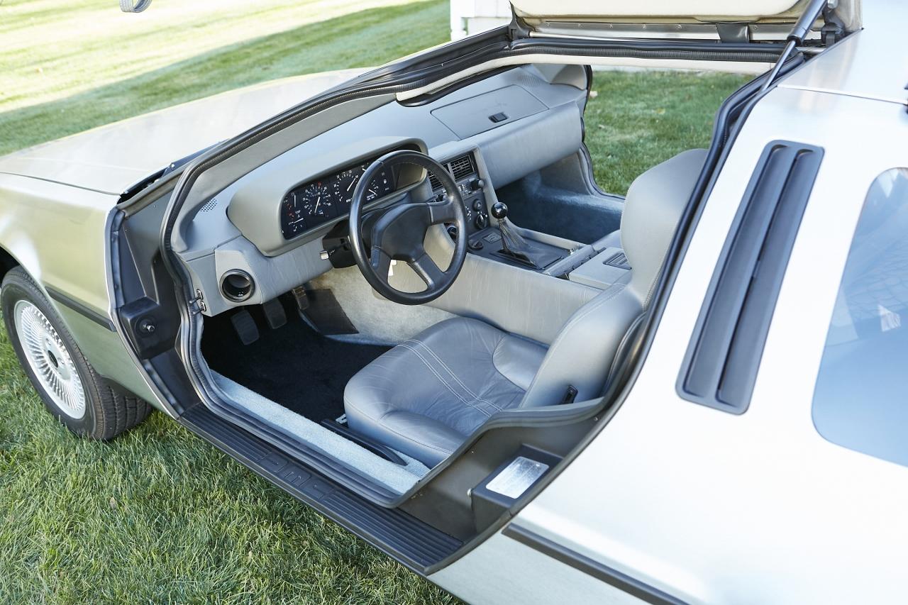 1981 DeLorean DMC-12 5-Speed interior
