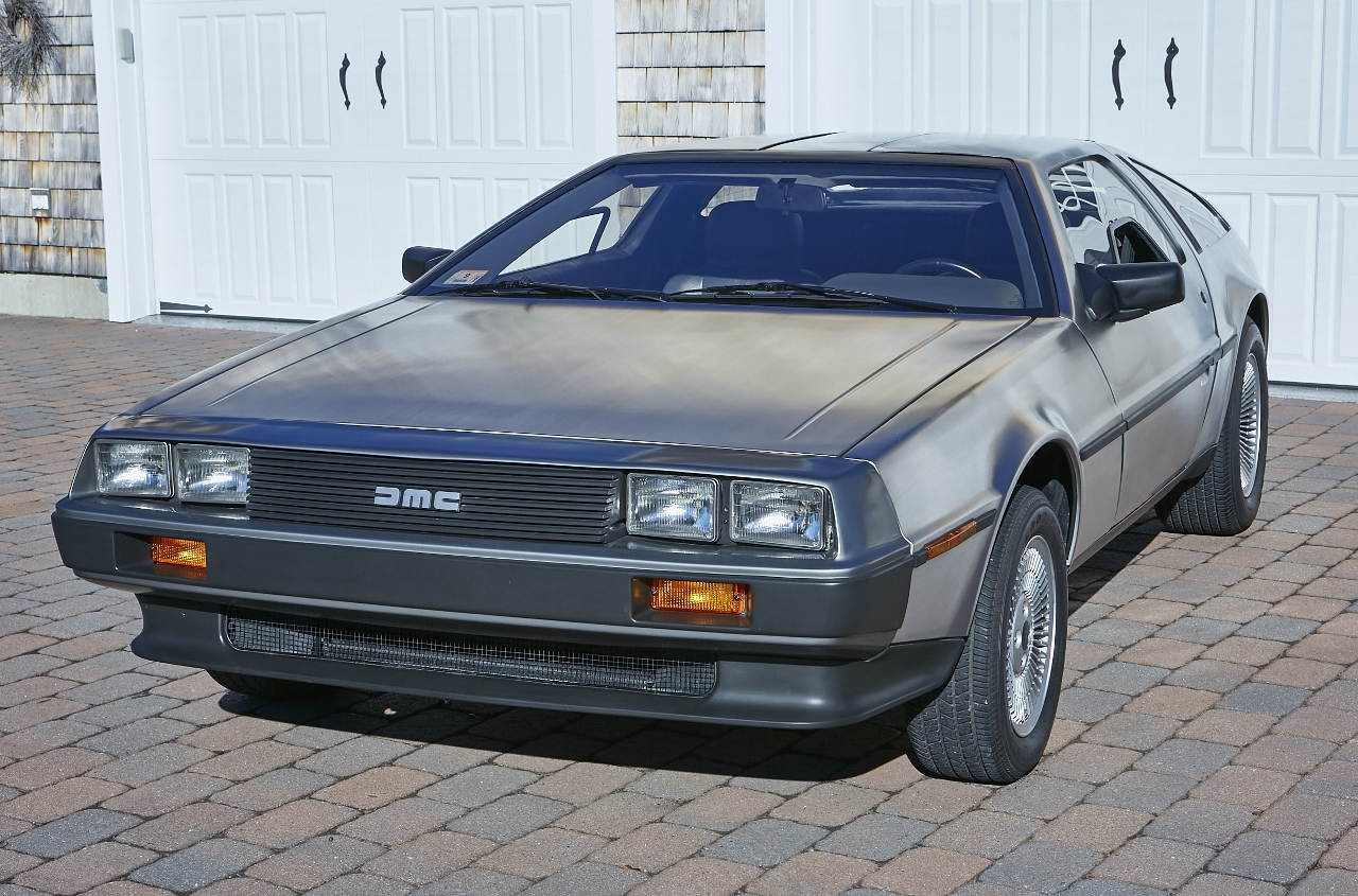 1981 DeLorean DMC-12 5-Speed front three-quarter
