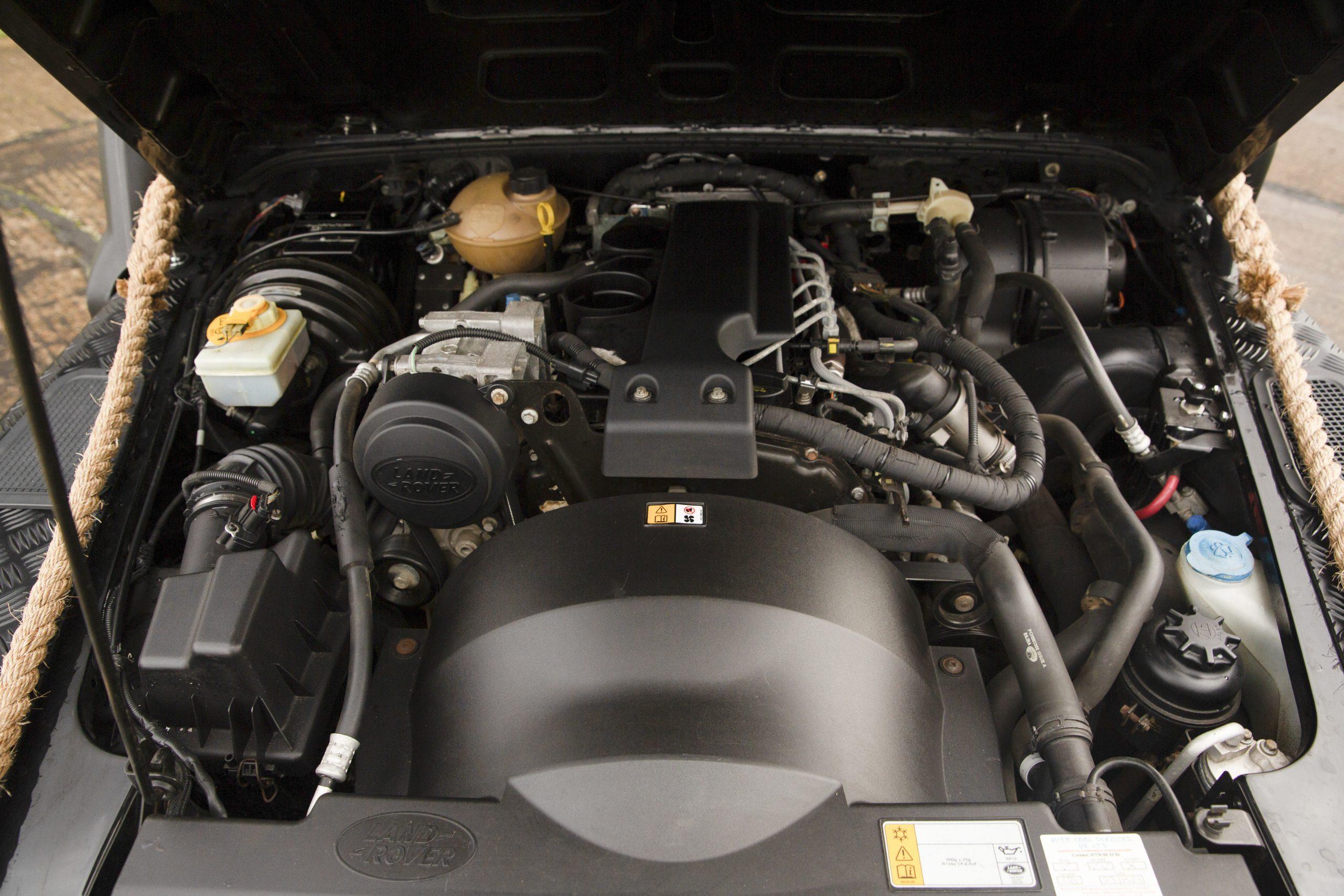 Land Rover Defender SVX Spectre engine