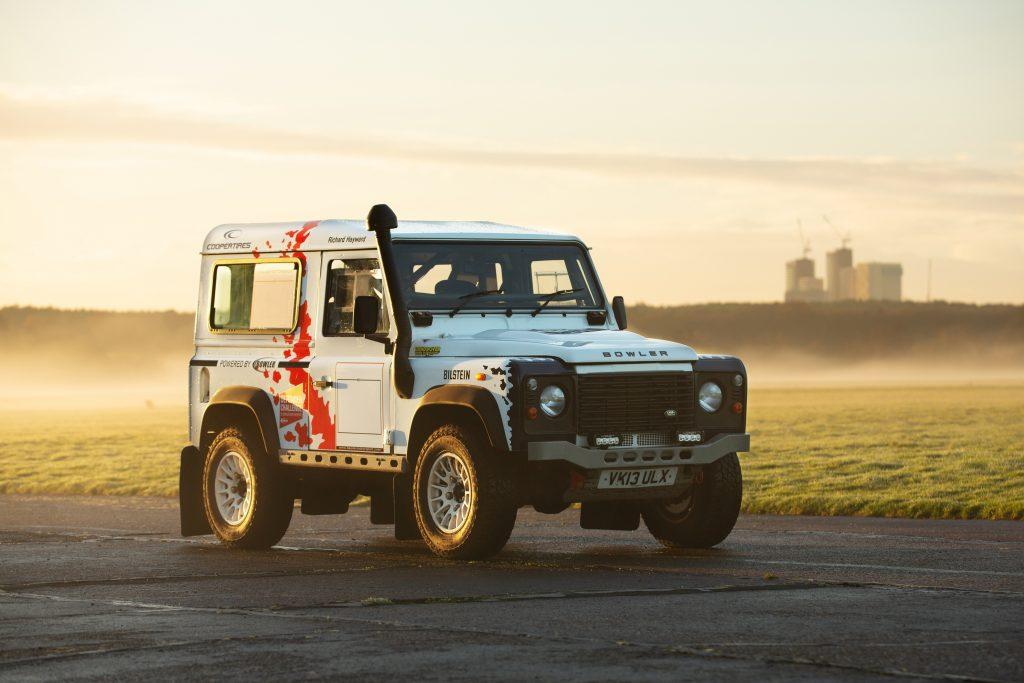 Land Rover Defender 90 Hardtop front three-quarter