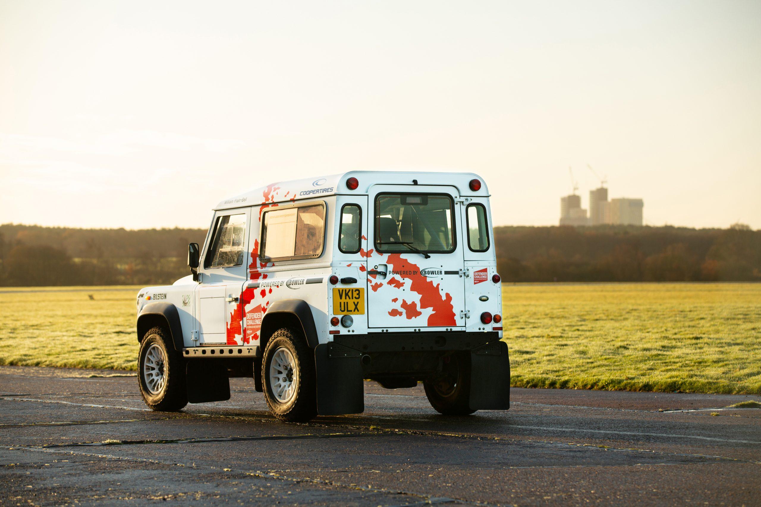 Land Rover Defender 90 Hardtop rear three-quarter