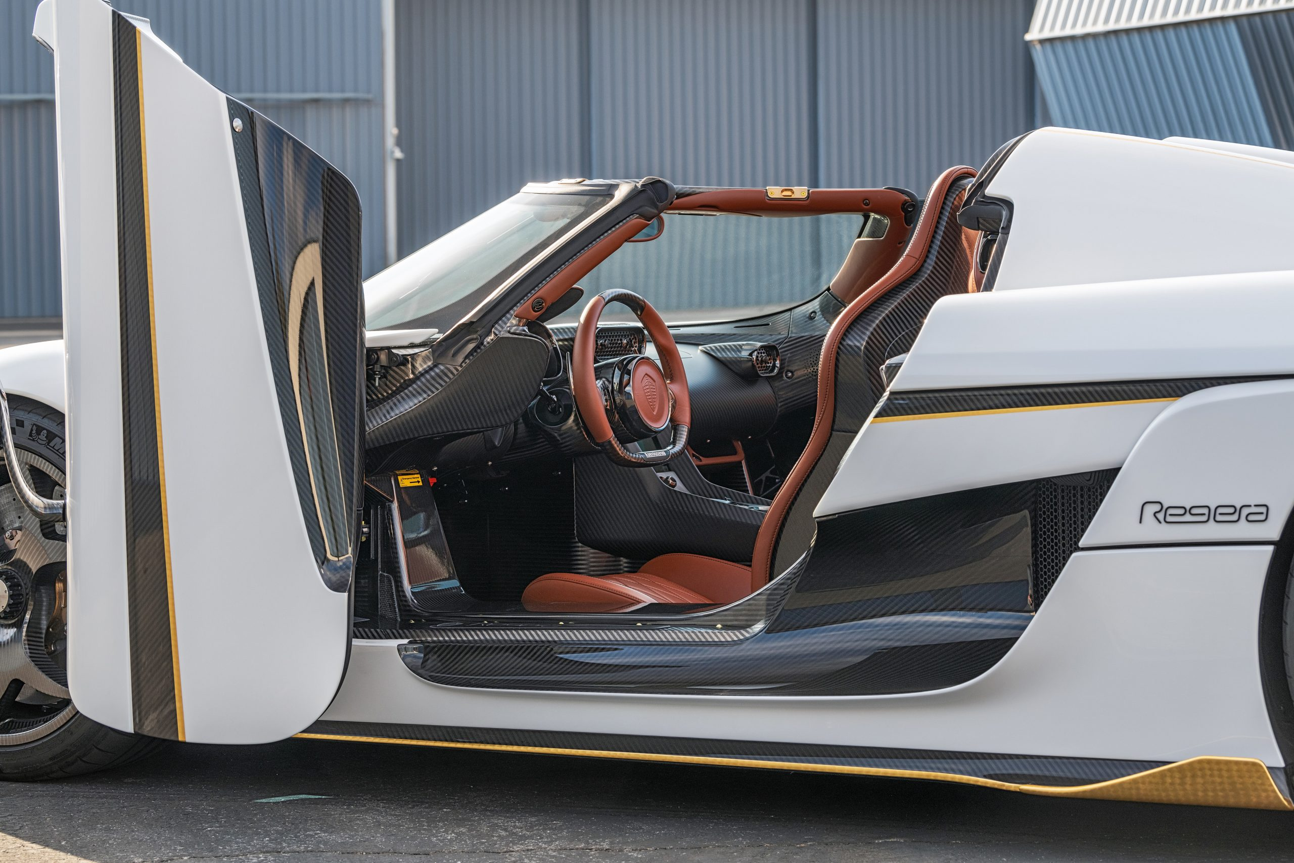 Koenigsegg Regera interior door open