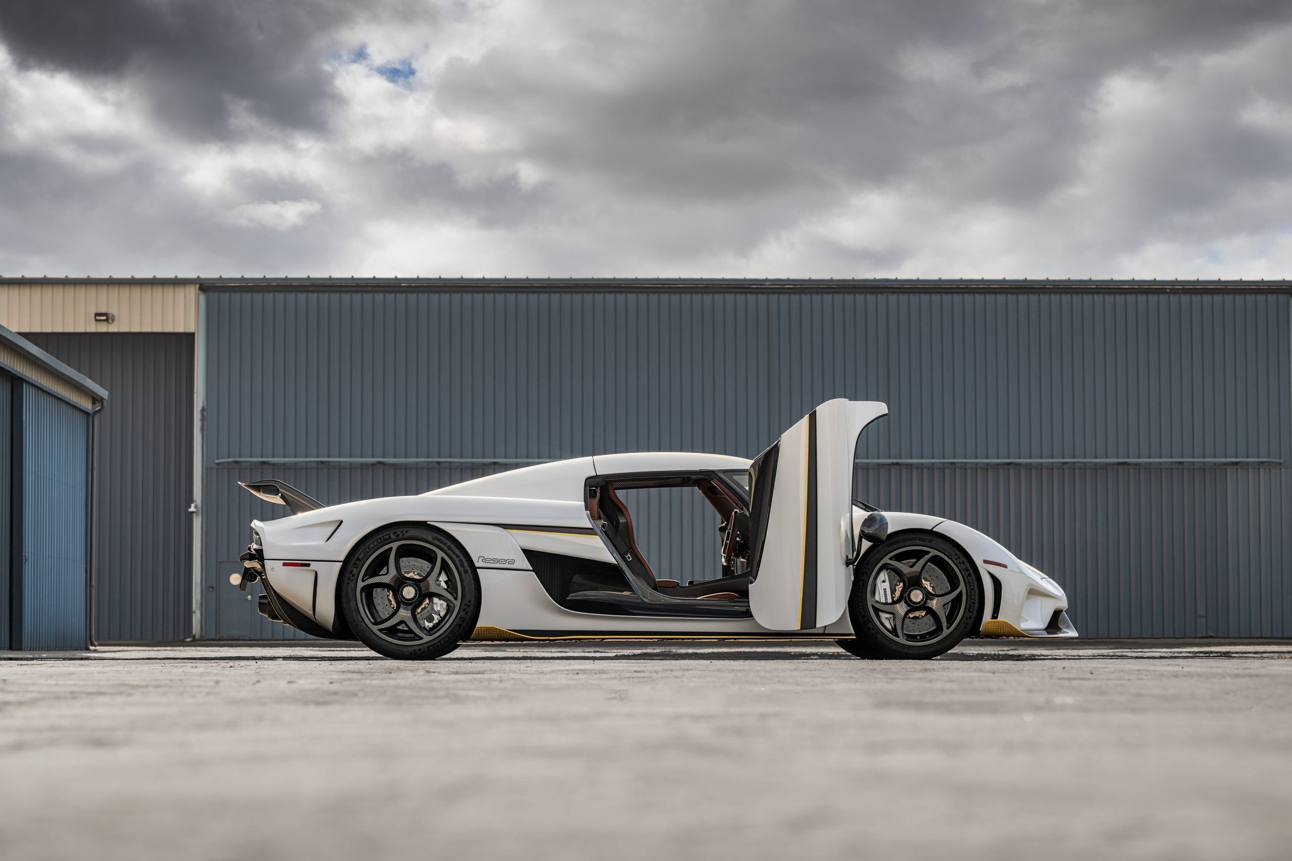 Koenigsegg Regera side profile doors open