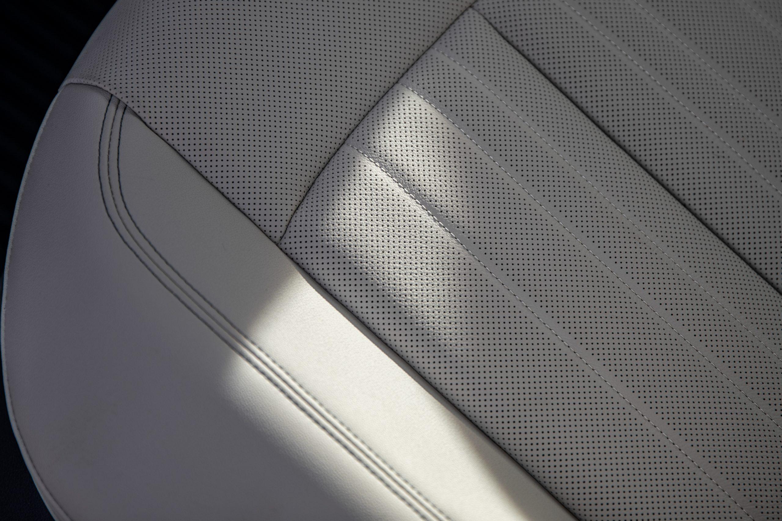 2020 Audi A6 allroad seat details