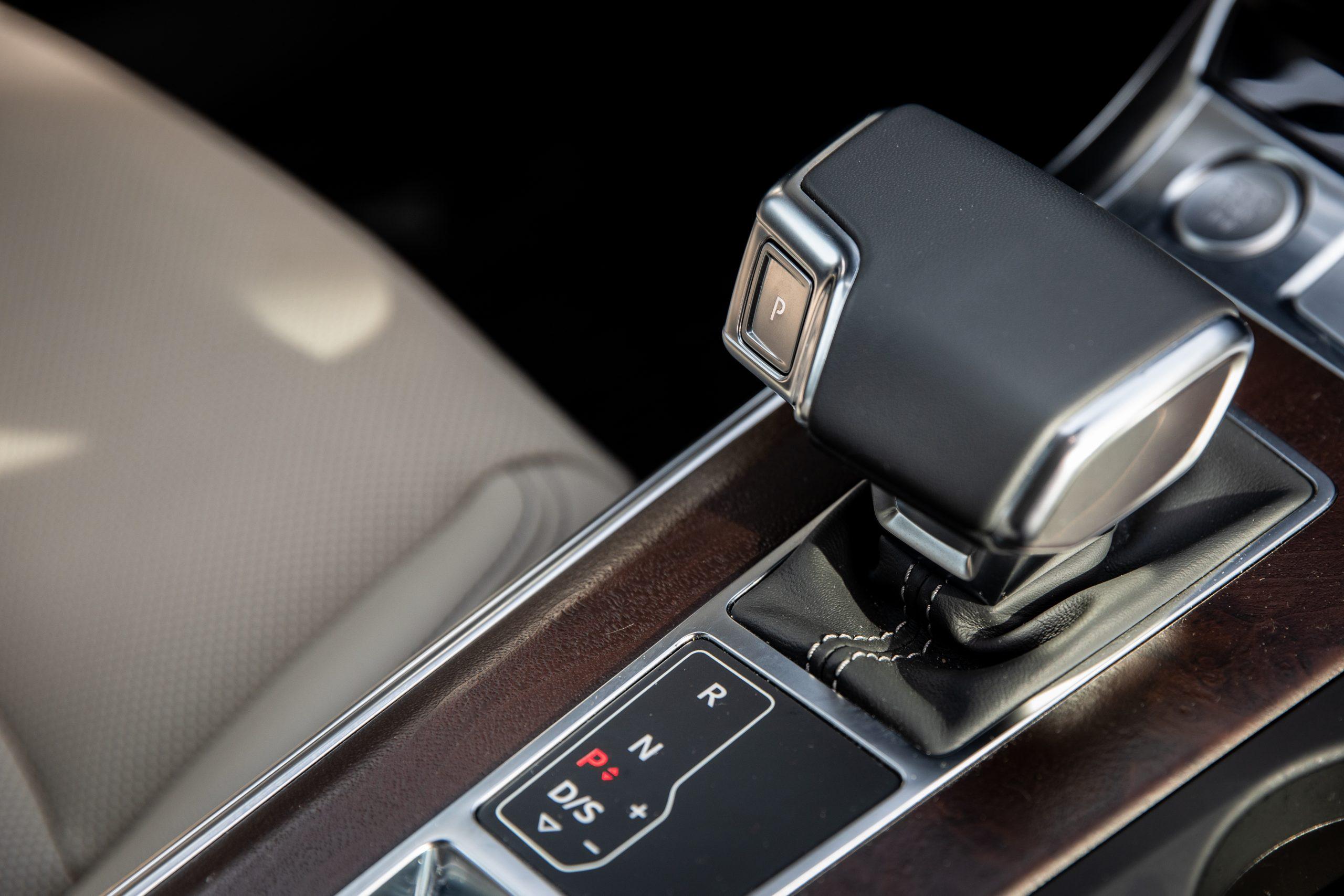 2020 Audi A6 allroad shifter
