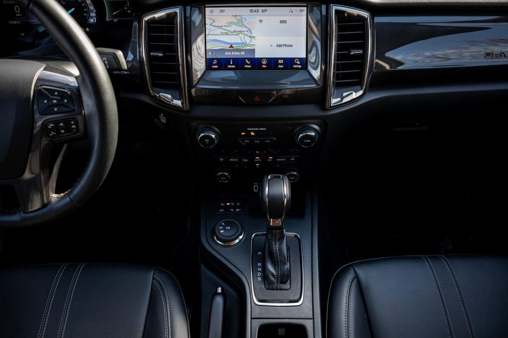 2020 Ford Ranger Lariat CN center console