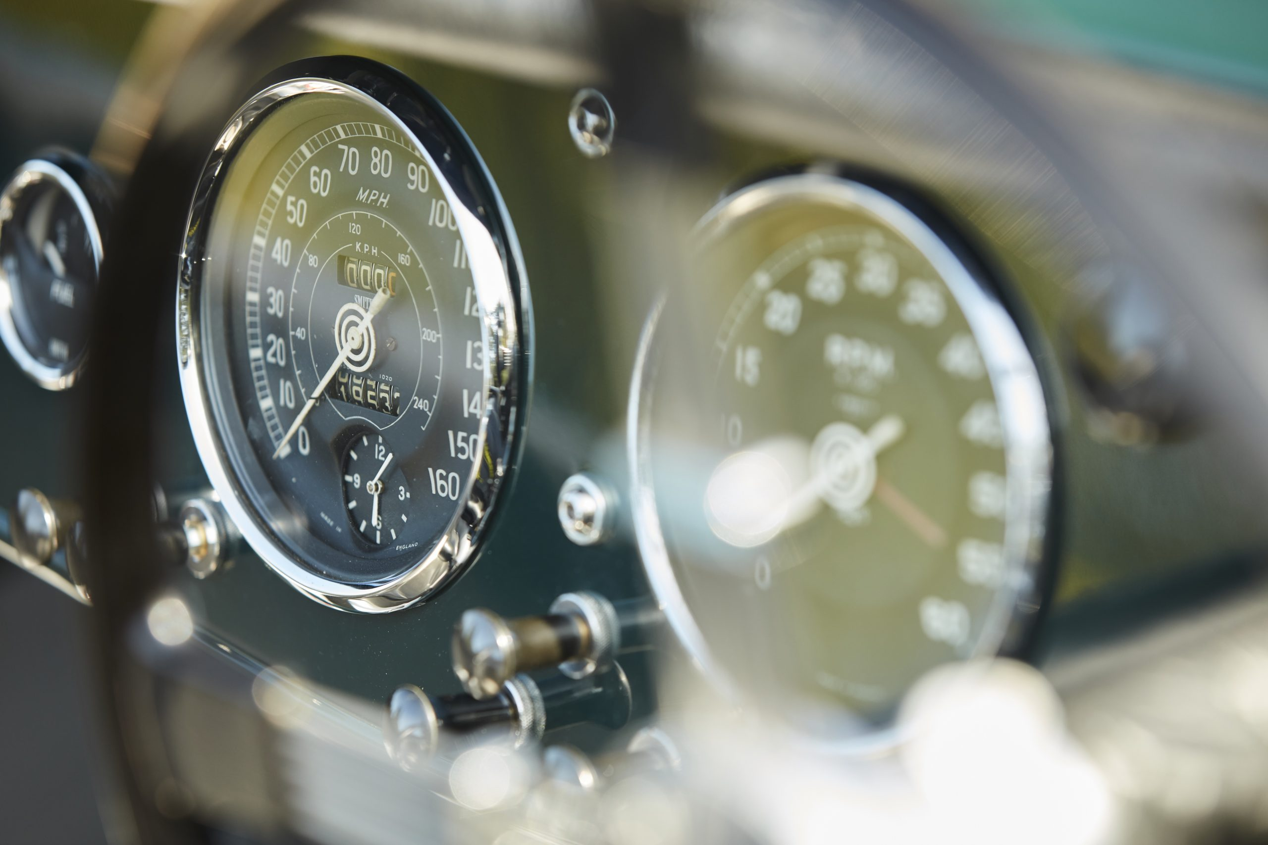 Allard JR continuation car gauges detail