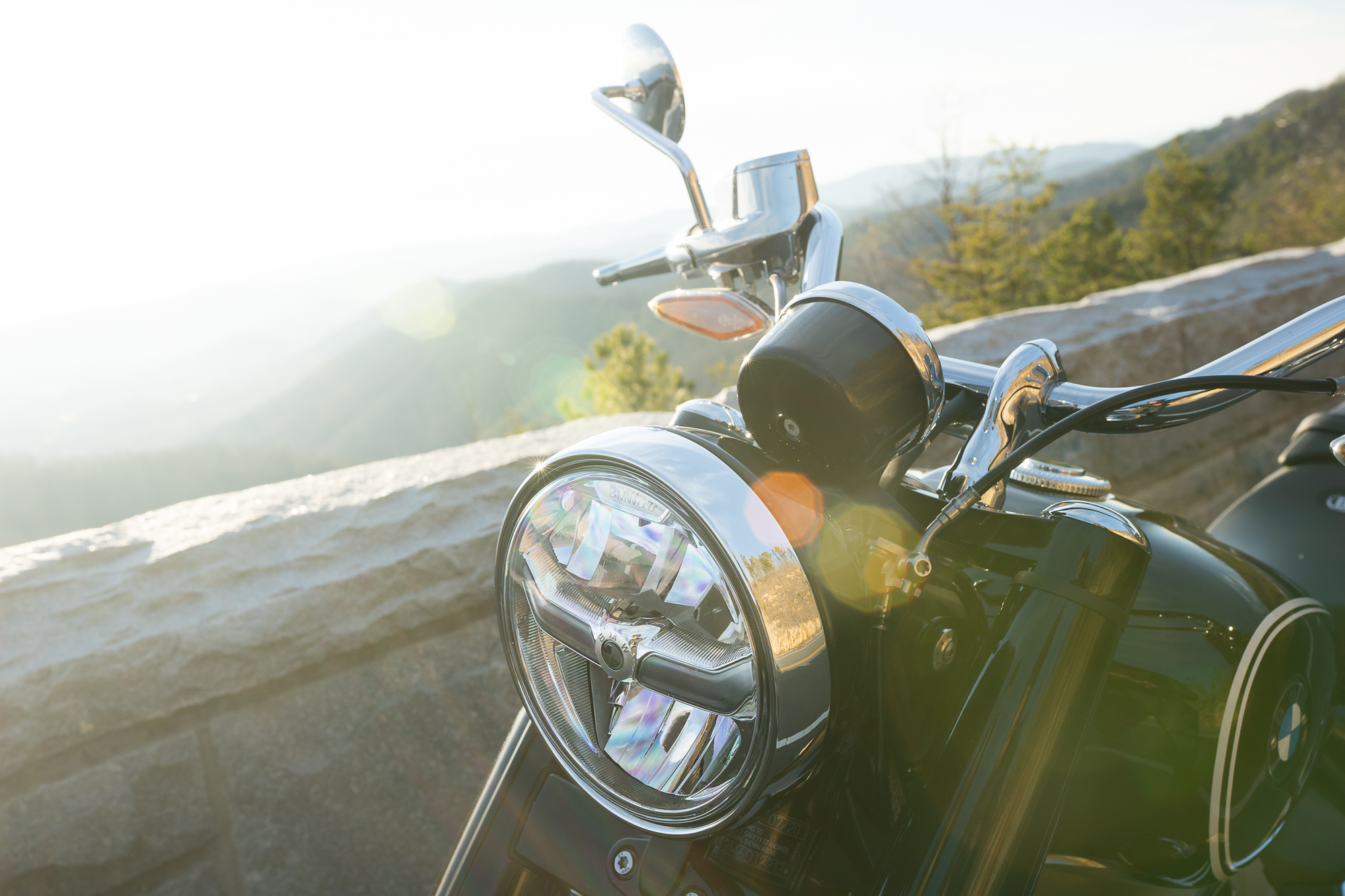 BMW R 18 motorcycle front detail solar flare
