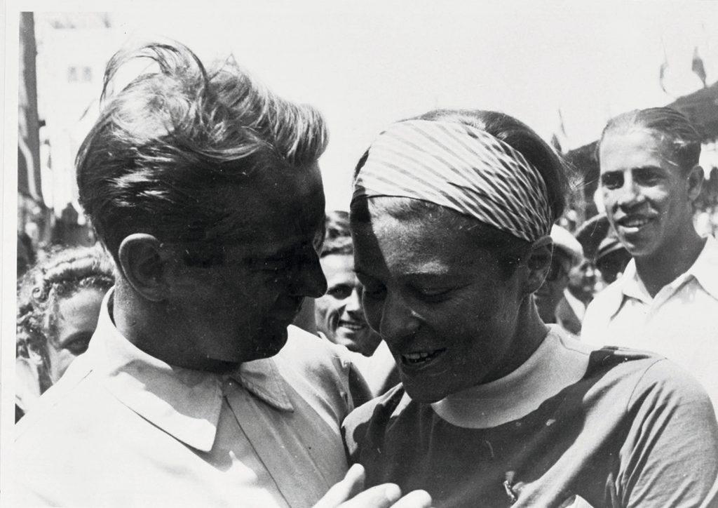 Bernd Rosemeyer and wife Elly Beinhorn 1937 in Pescara Italy
