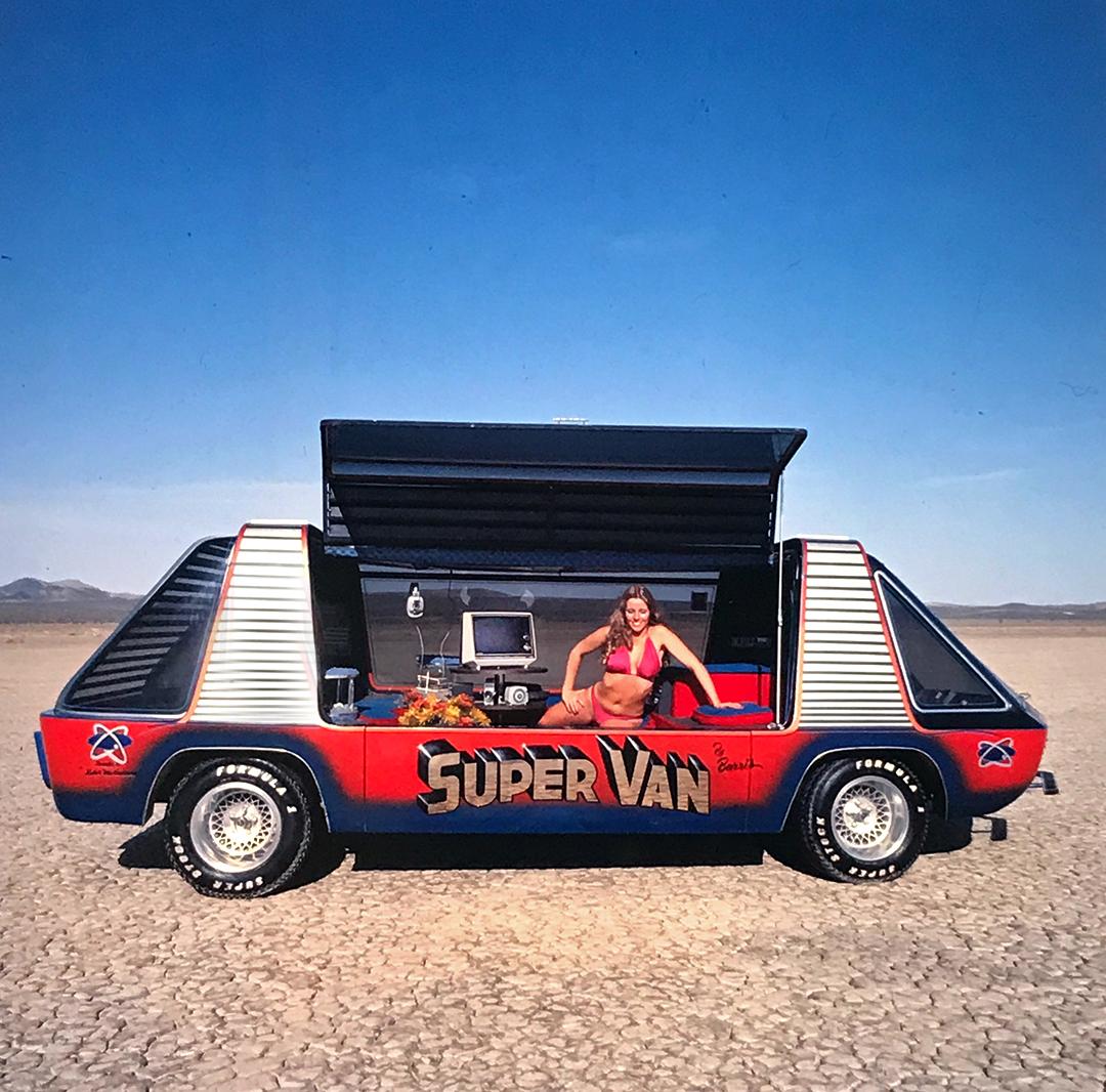 Hollywood Legends Super Van side profile