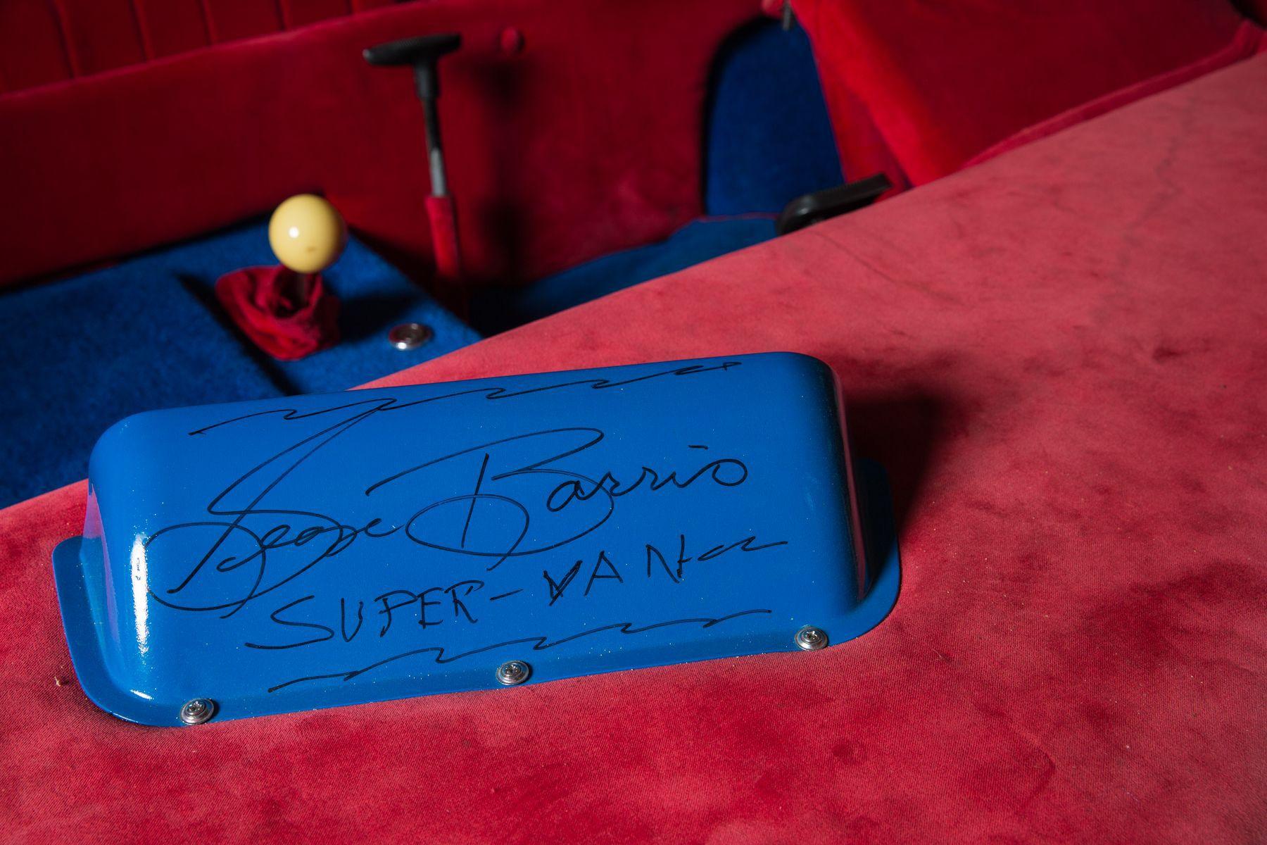 Hollywood Legends Super Van george barris signature