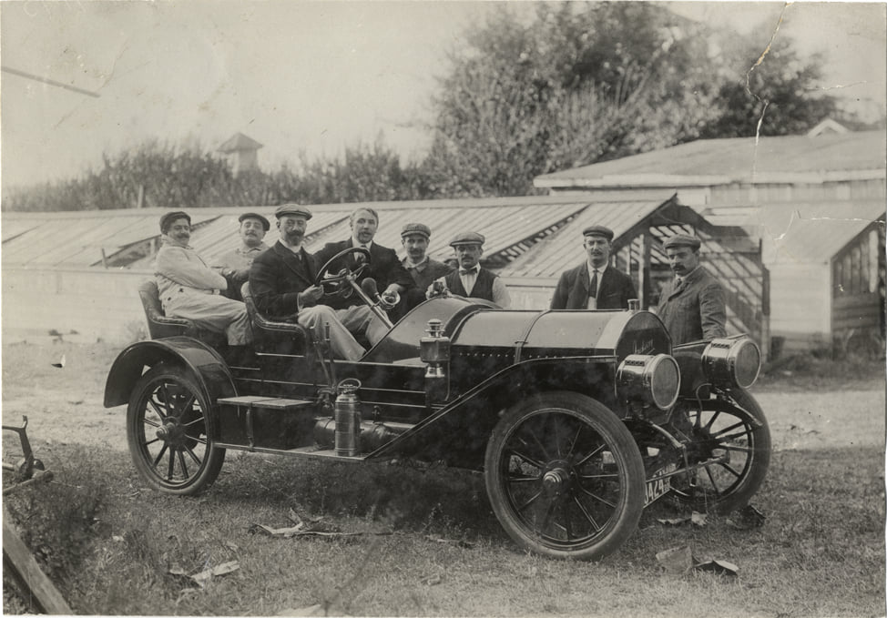 Jackson Automobile Company - car in period