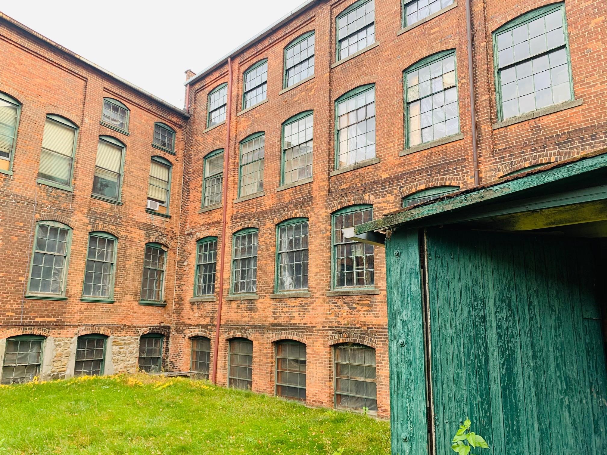 Jackson Automobile Factory factory exterior - interior courtyard 2