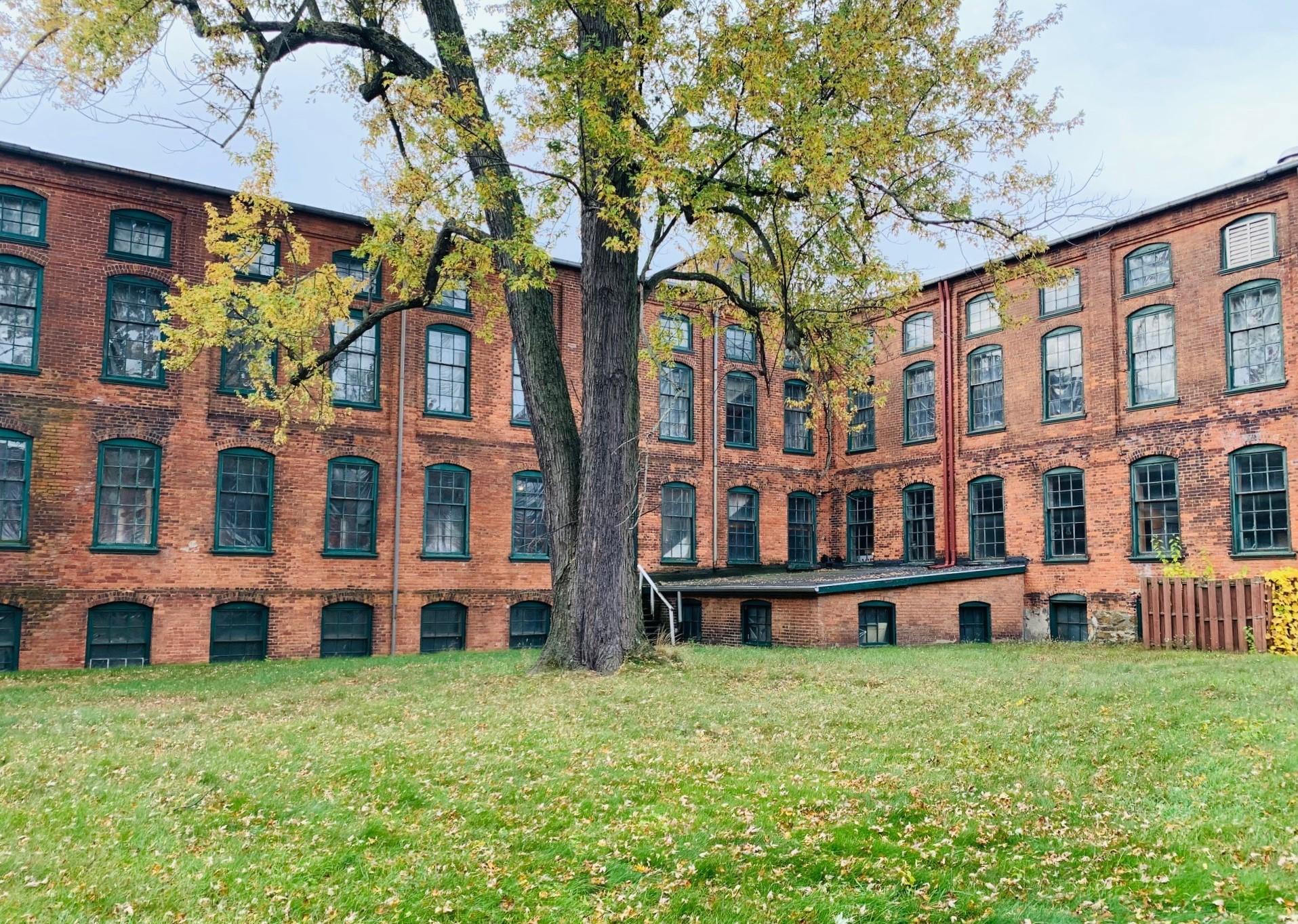 Jackson Automobile Factory factory exterior - interior courtyard 1