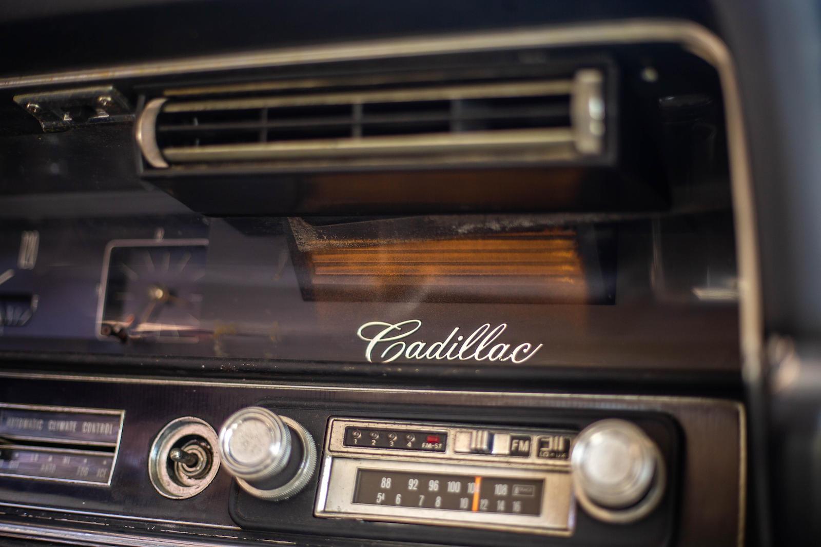 1967 Cadillac Eldorado radio