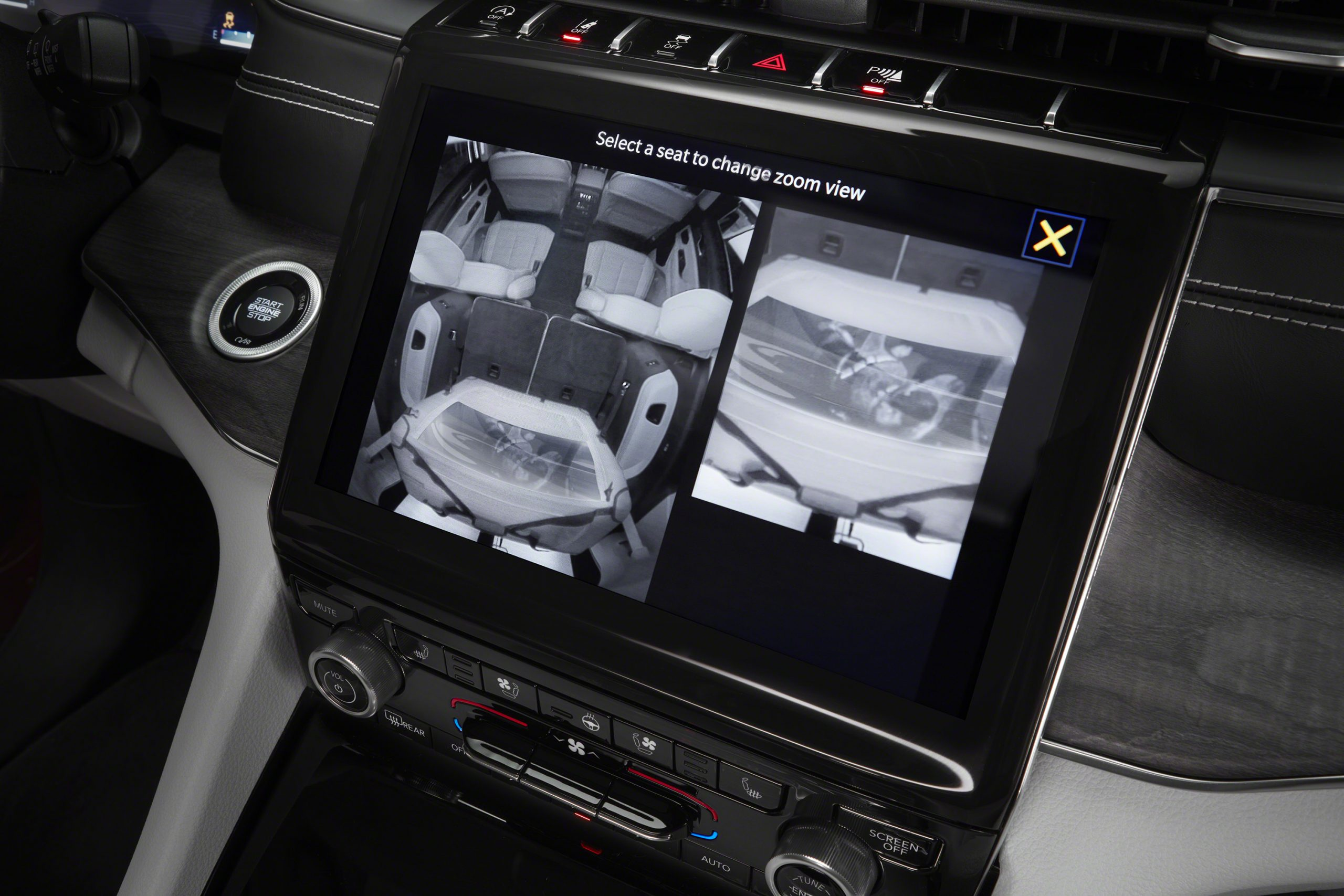 Jeep Grand Cherokee L Overland uconnect display