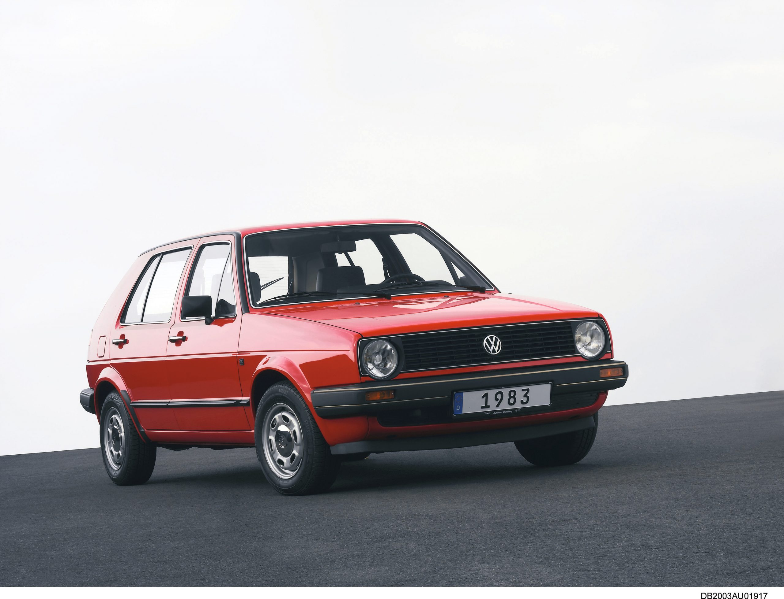 Volkswagen Golf mk2 front three-quarter