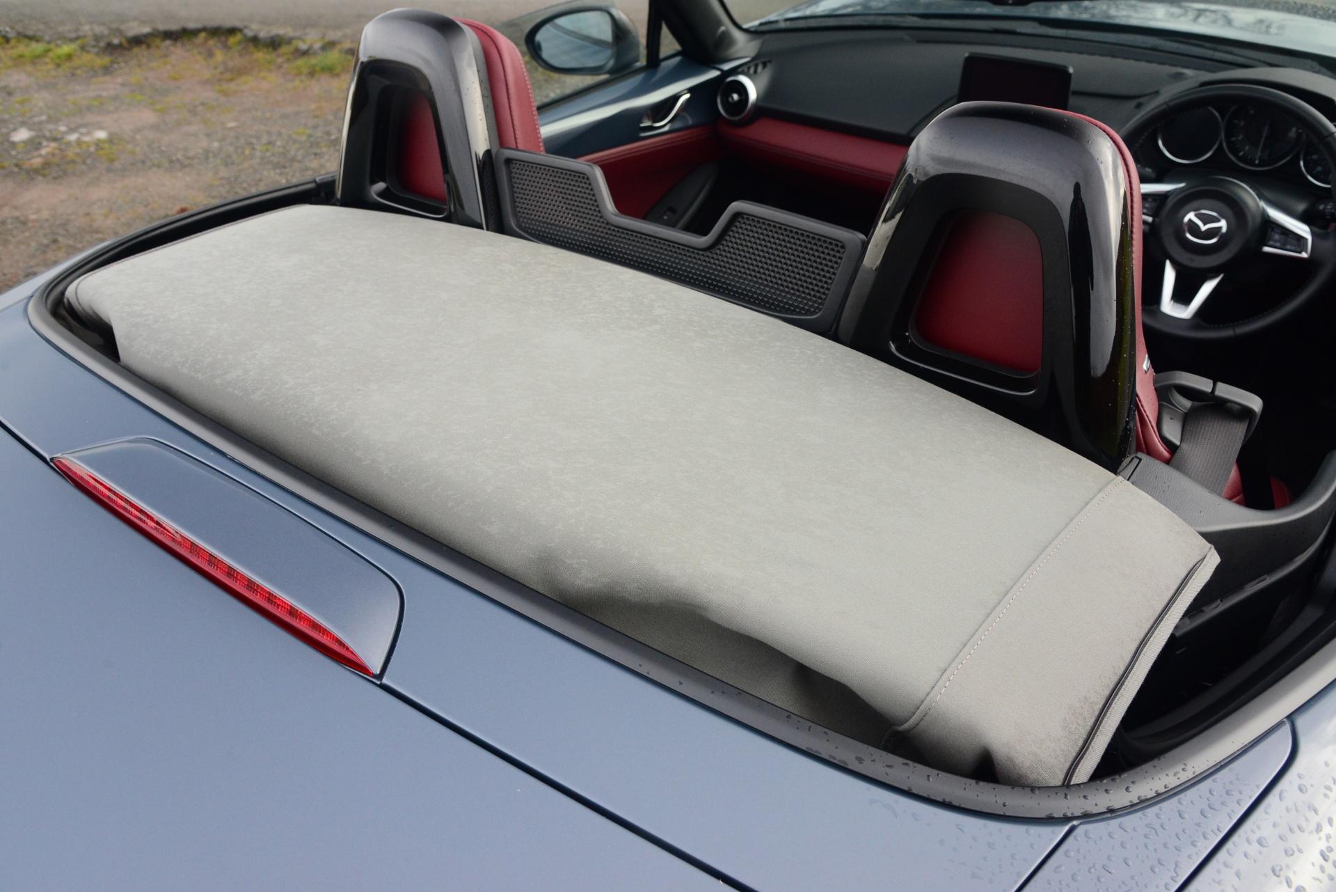Mazda MX-5 R-Sport rear cover decklid detail