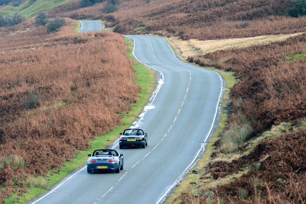 Mazda MX-5 and MX-5 R-Sport rear open road action
