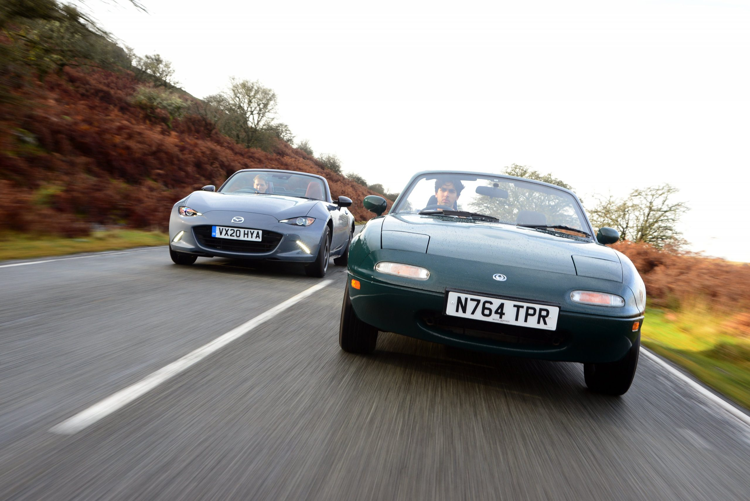 Mazda MX-5 and MX-5 R-Sport front dynamic action