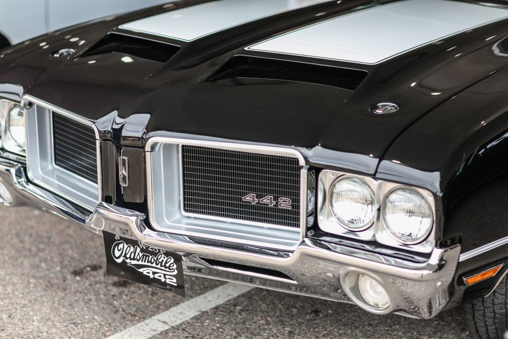 Oldsmobile Cutlass W-25 Hood