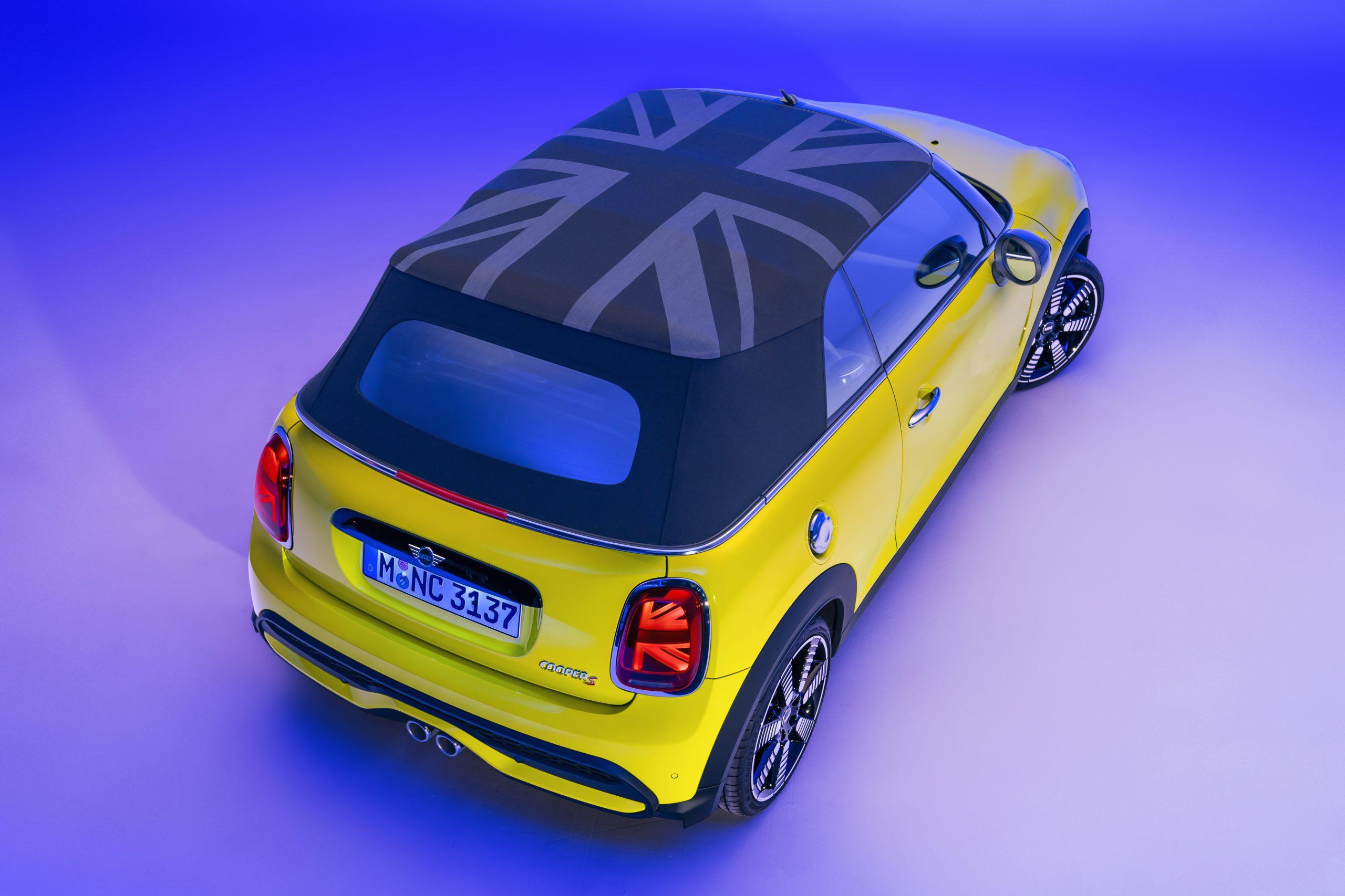 2022 Mini Cooper S convertible union jack top up