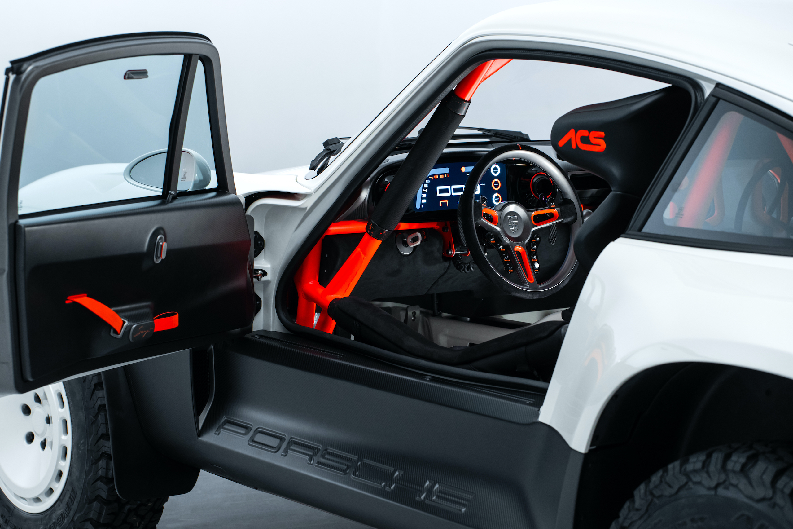 Singer All-Terrain Competition Study interior door opened