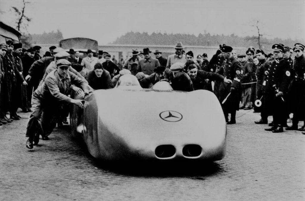 Rudolf Caracciola breaks record 1938