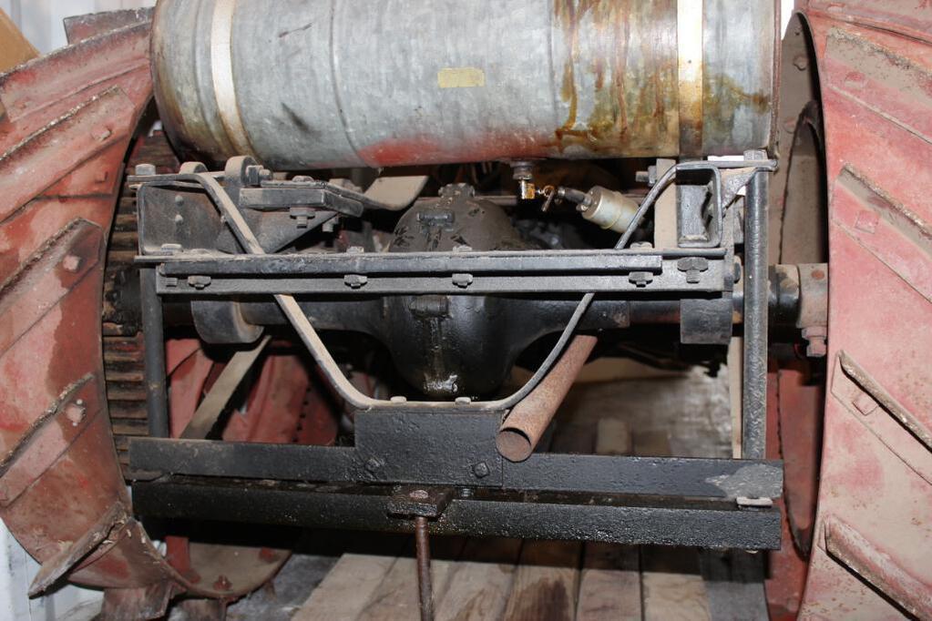 Shaw Model T Conversion Tractor rear suspension