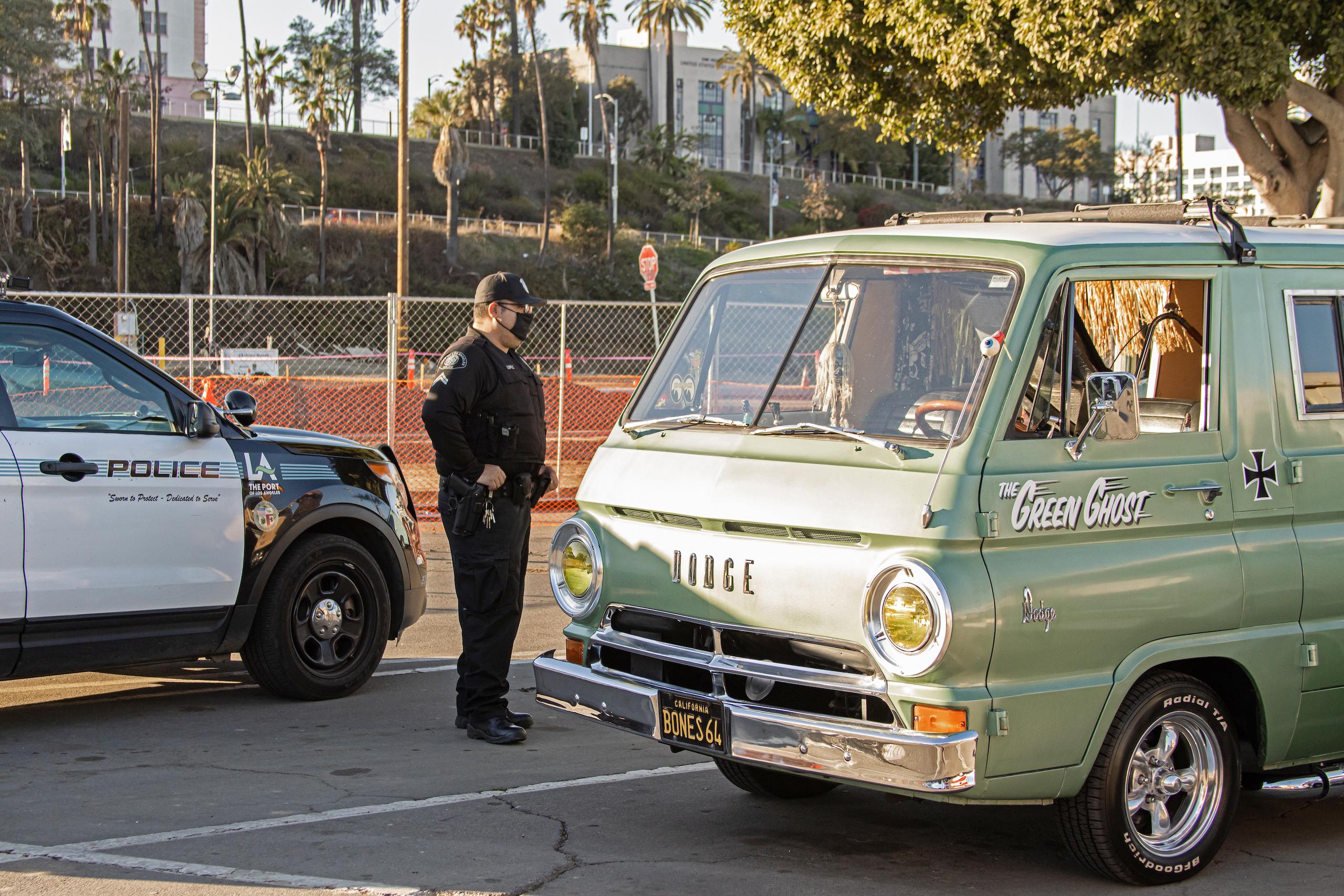 So-Cal Slow Ride Van Run police saying hello