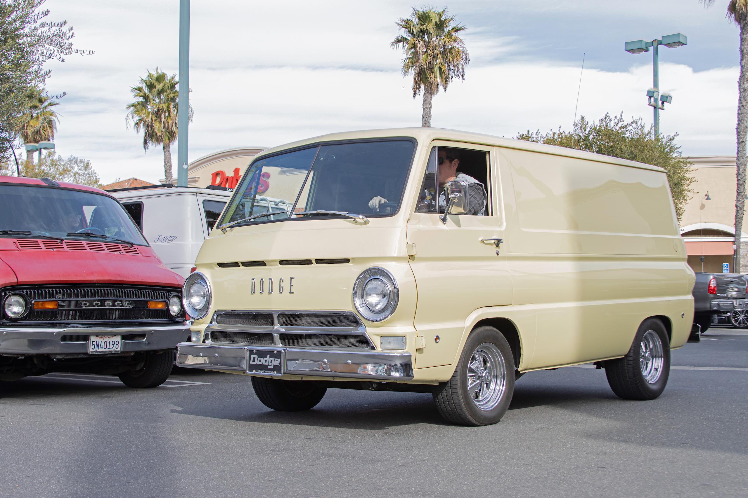 So-Cal Slow Ride Van Run dodge