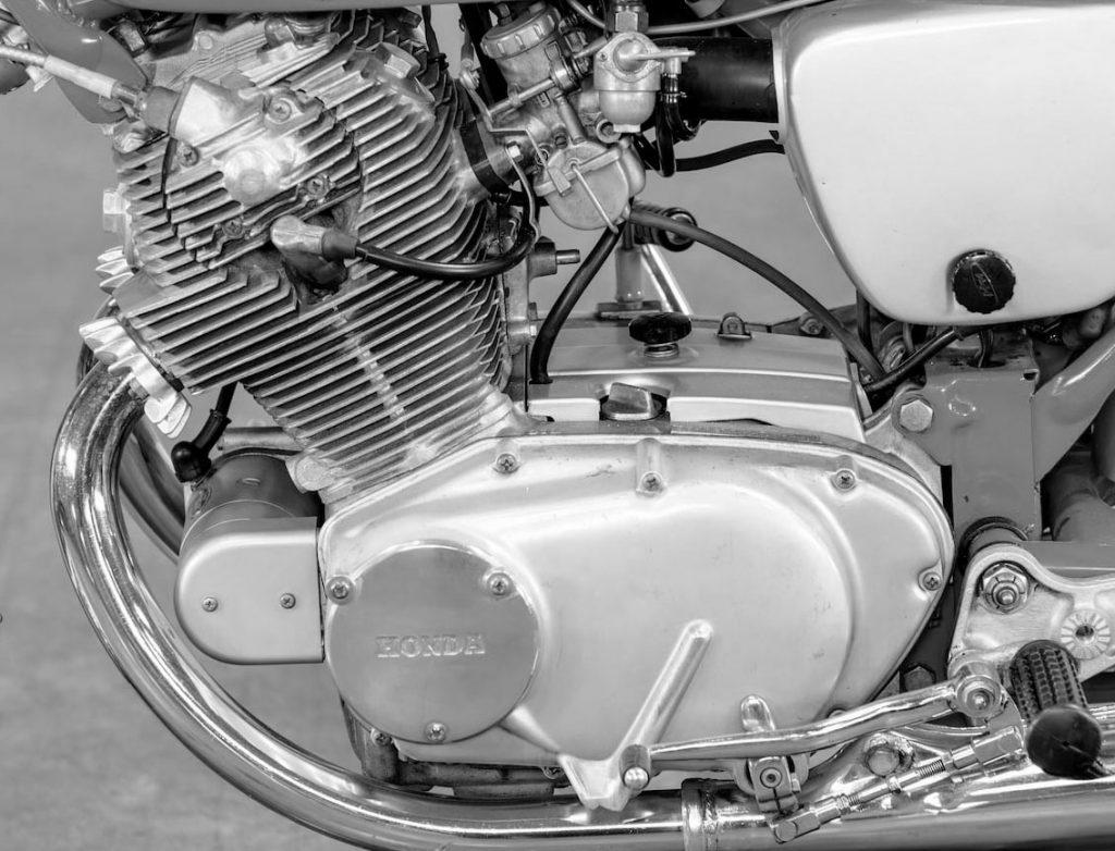 Street Hawk 305 CC Honda Engine