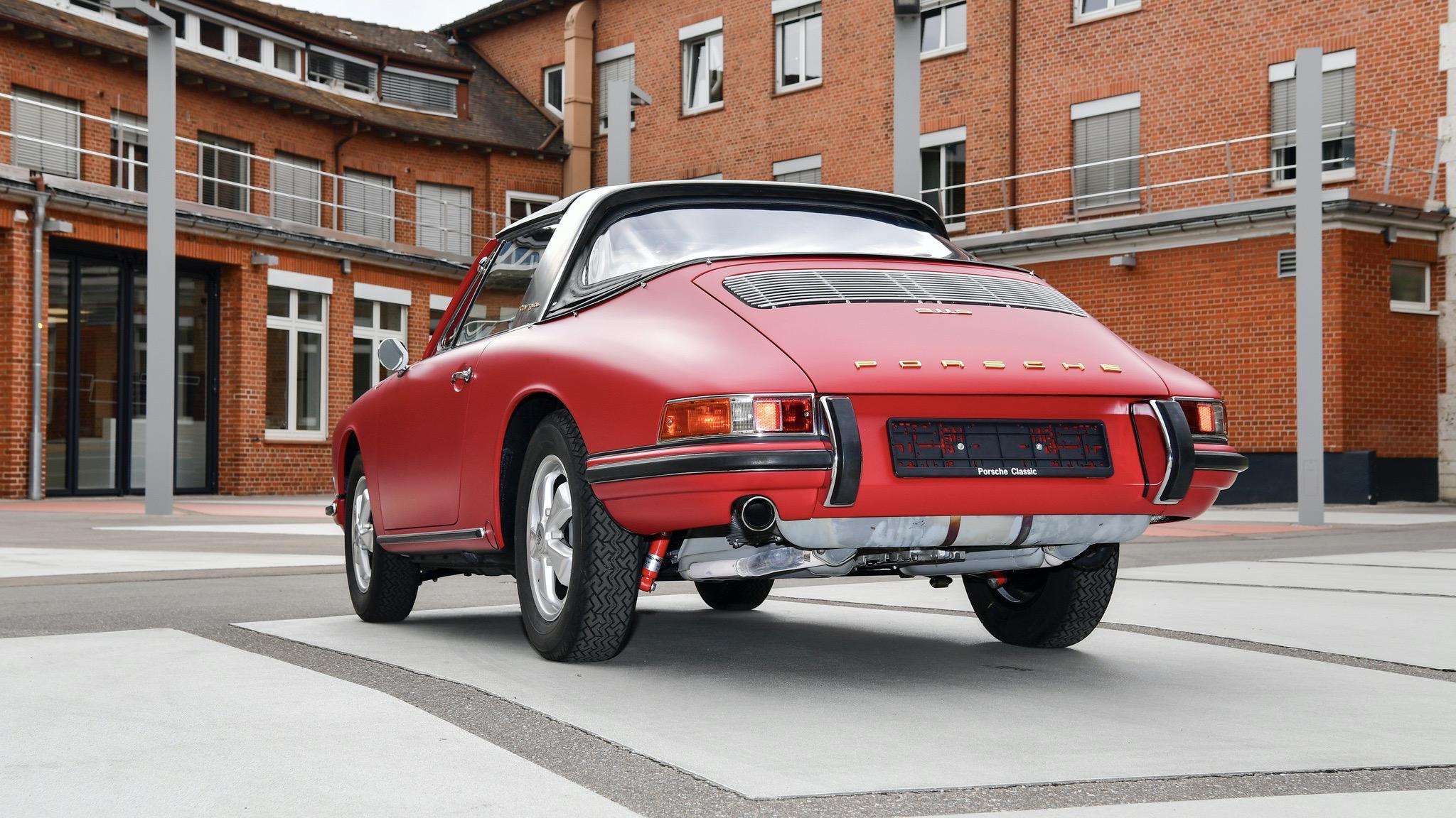 Porsche Classic 911 restoration 24