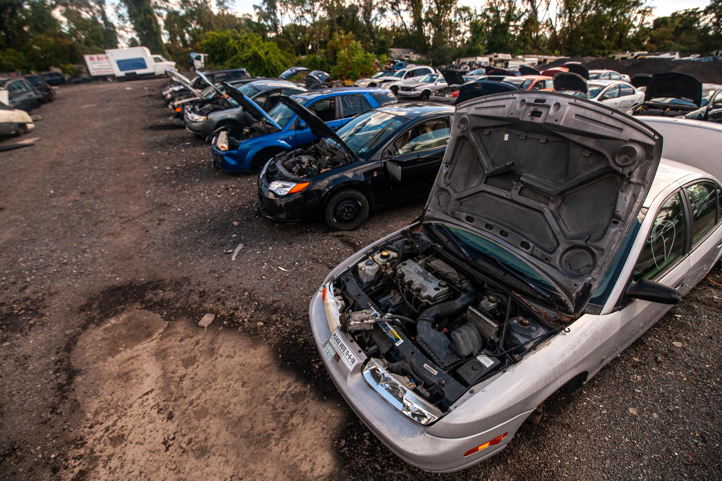 saturns in southeast michigan junkyard