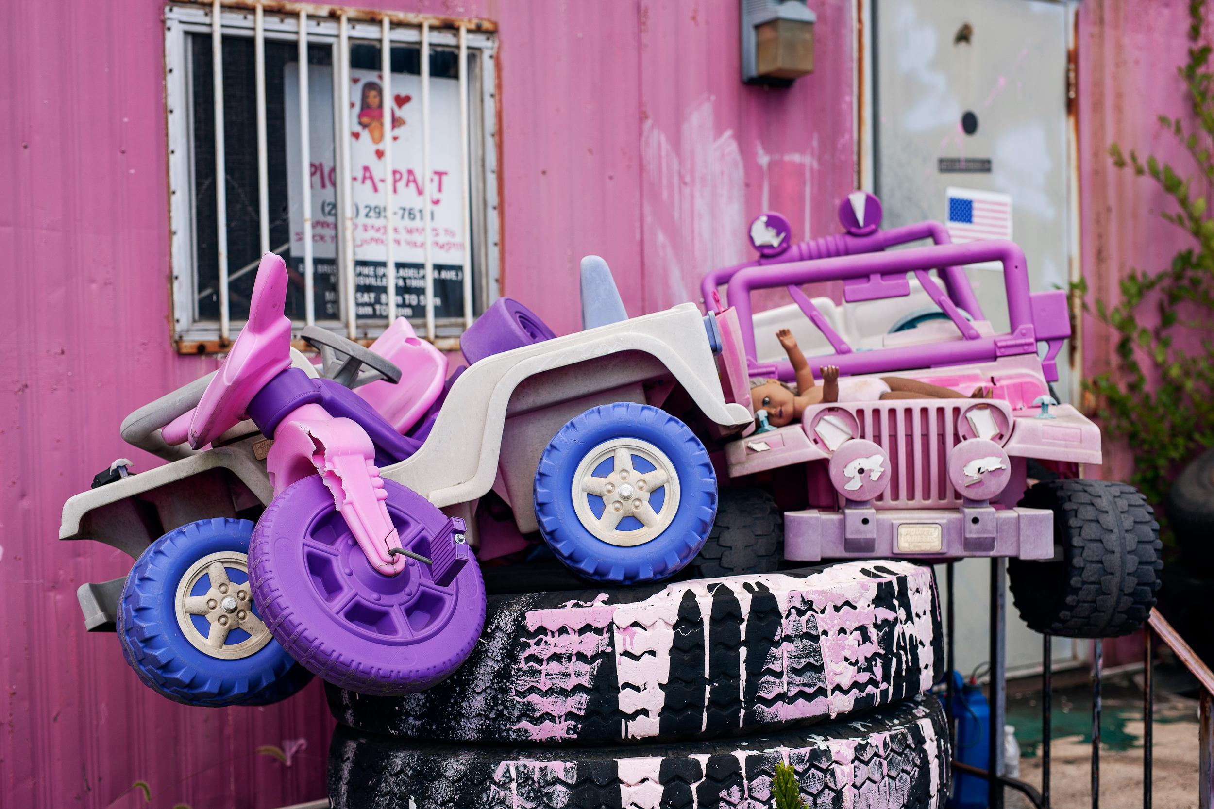 pink pick a part junkyard kids cars lawn art