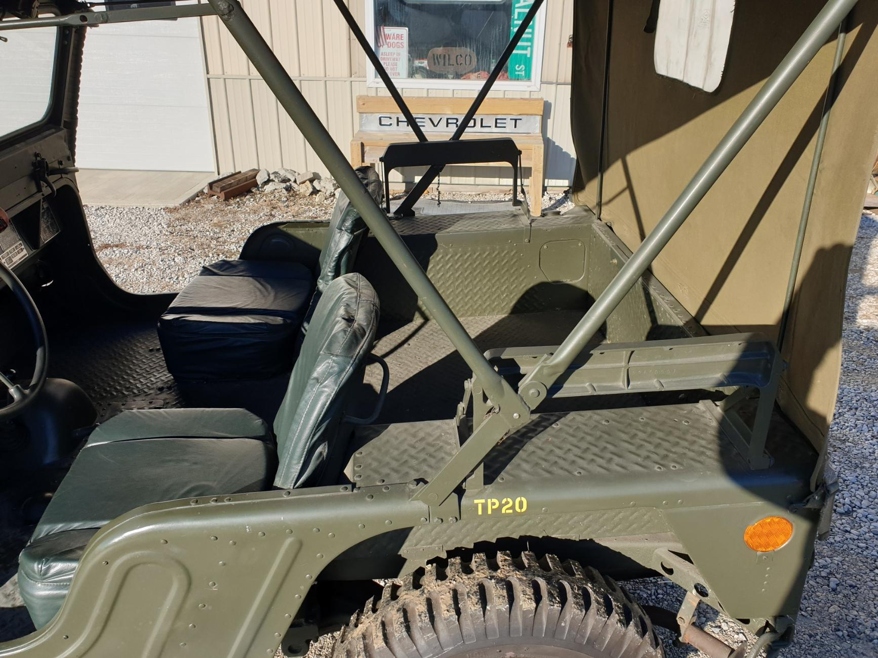 AMC M442A1 Mighty Mite side profile interior