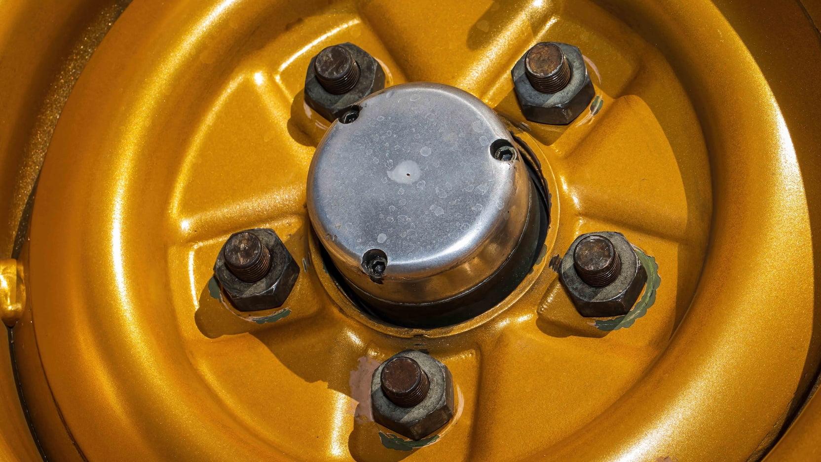 1967 Ford Mustang Holman-Moody Racer wheel hub detail