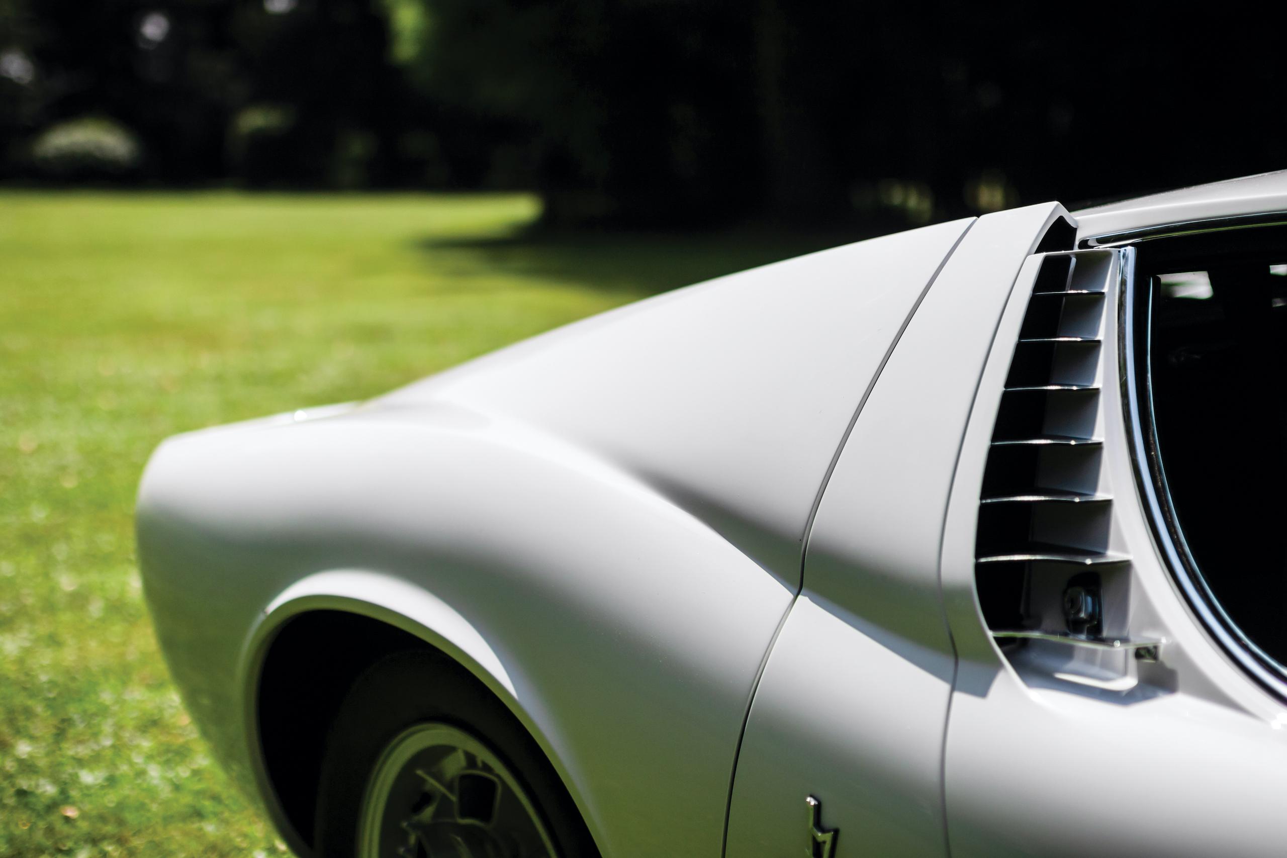1971 Lamborghini Miura P400 S by Bertone side panel detail