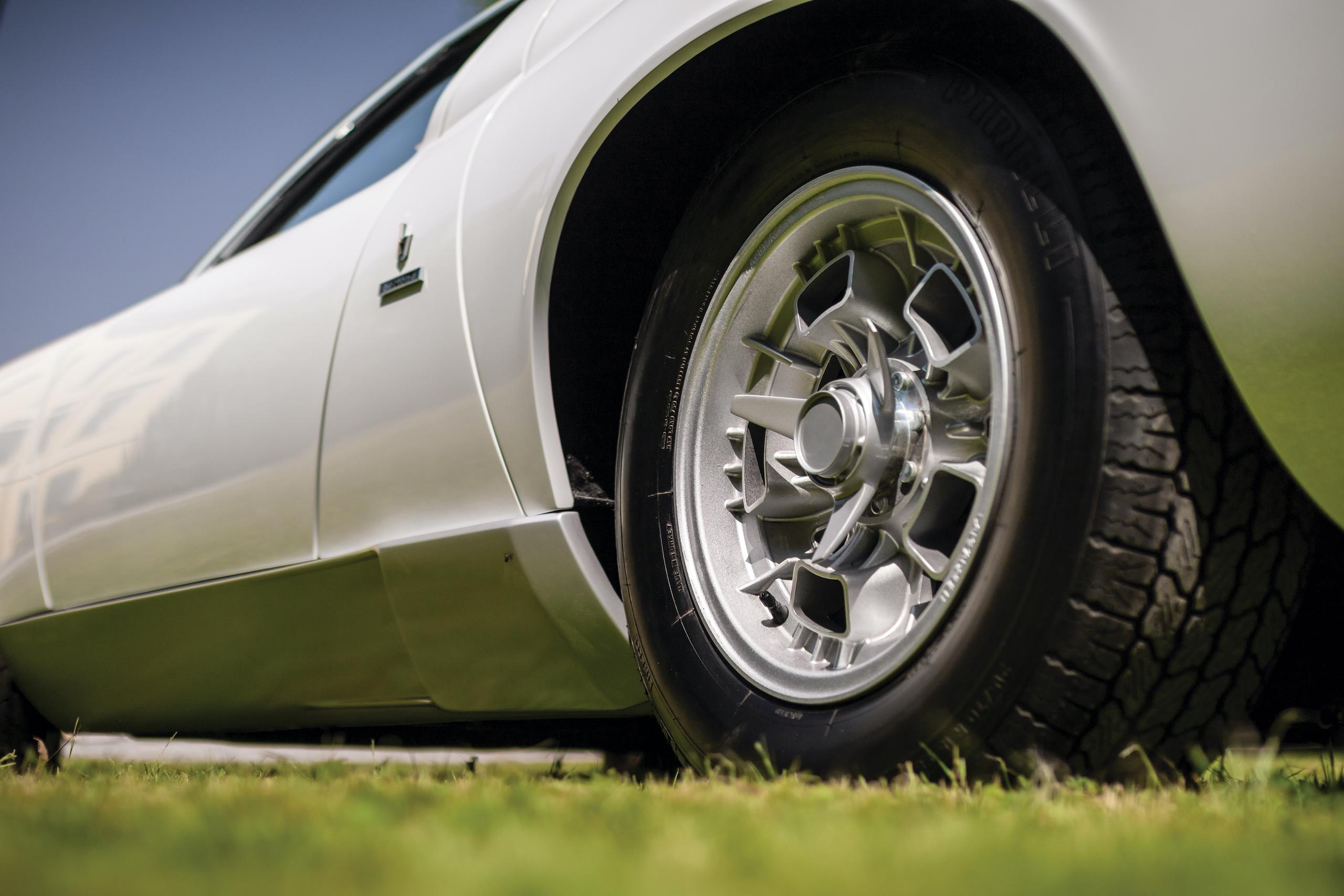 1971 Lamborghini Miura P400 S by Bertone wheel detail