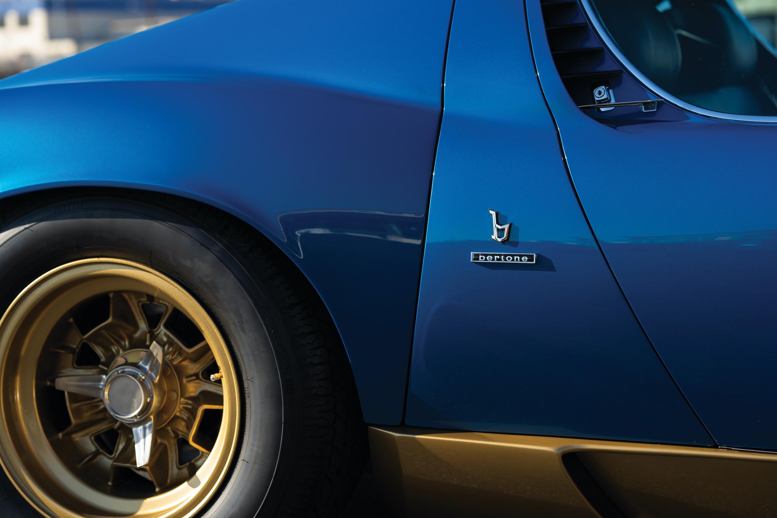 1971 Lamborghini Miura P400 SV bertone badge