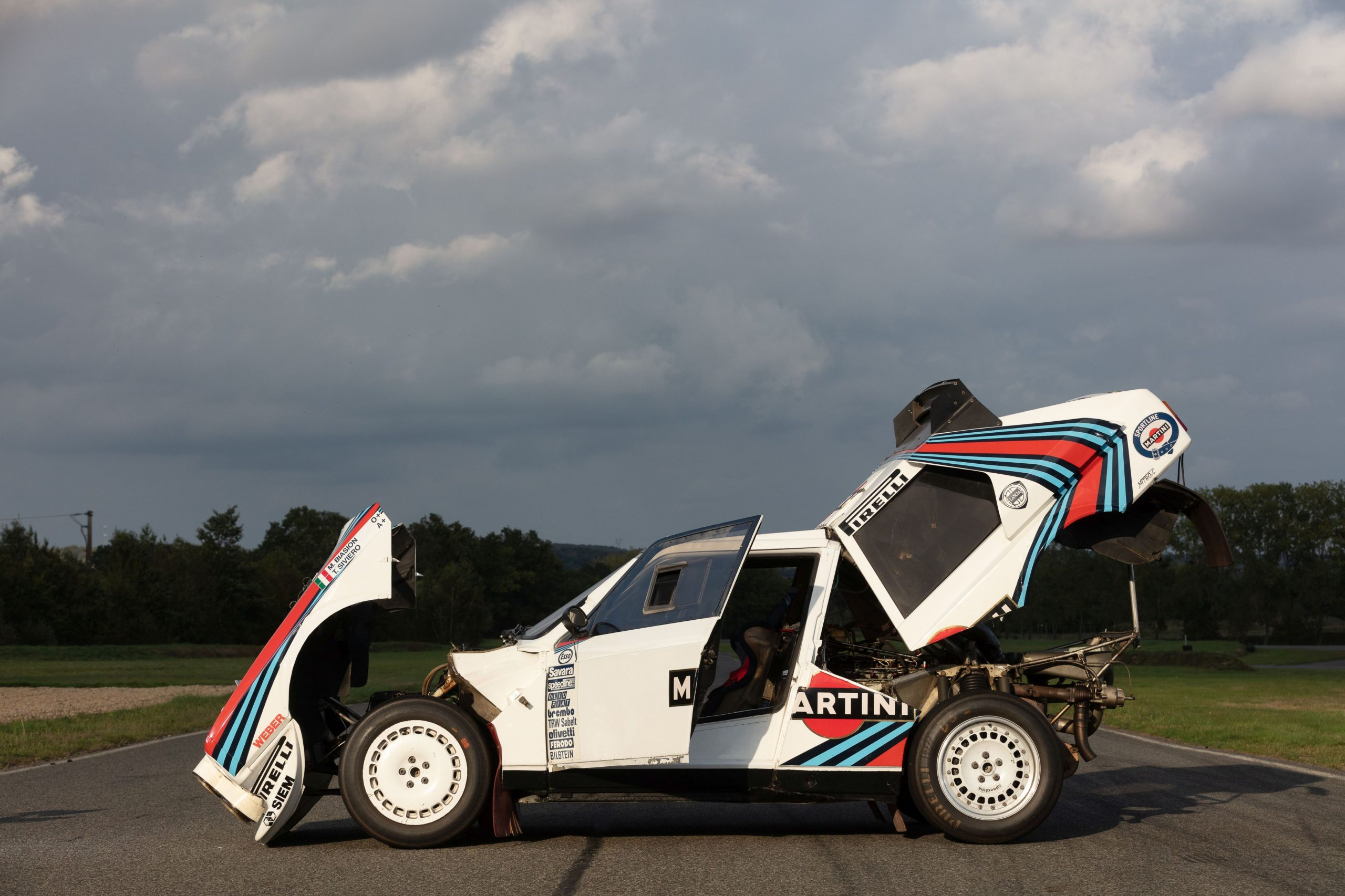 1986 Lancia Delta S4 side profile opened