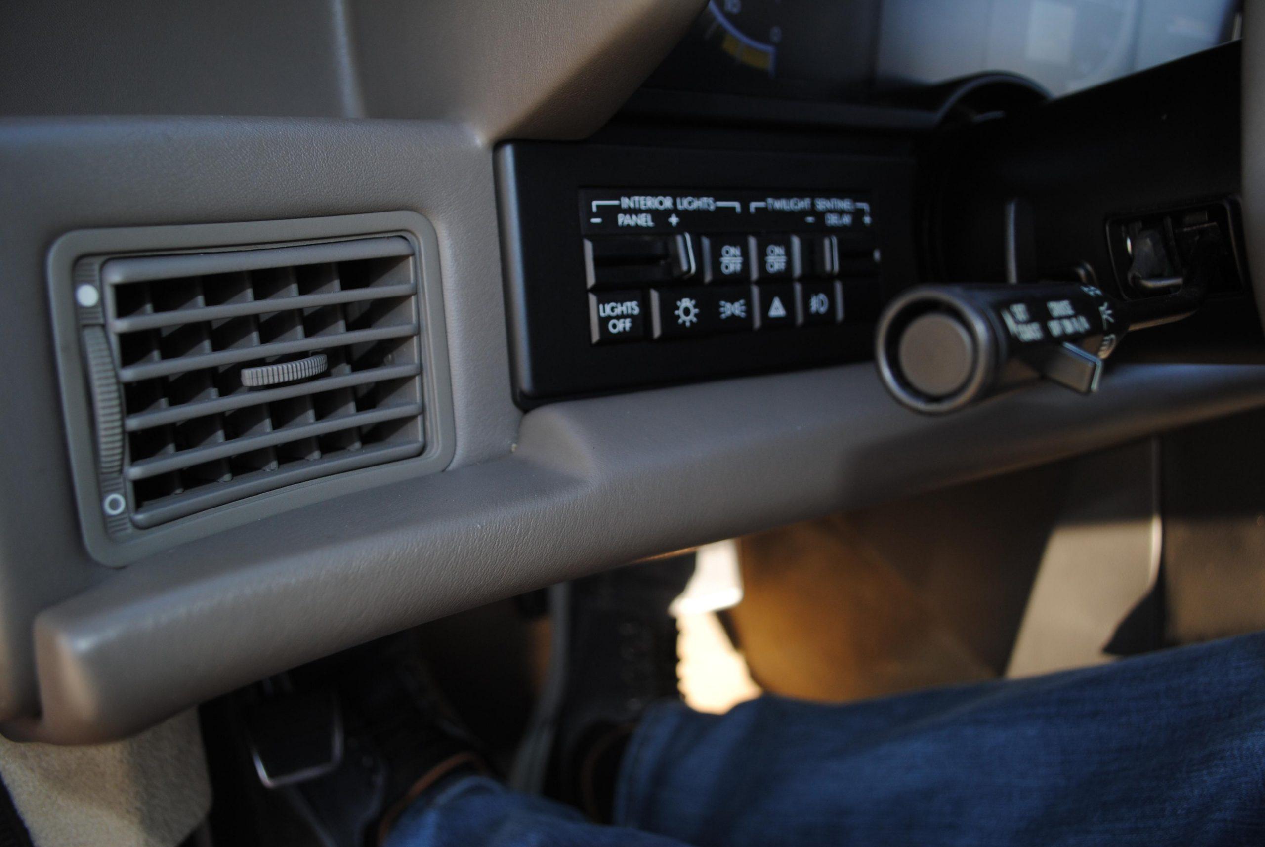 1993 Cadillac Allante light buttons