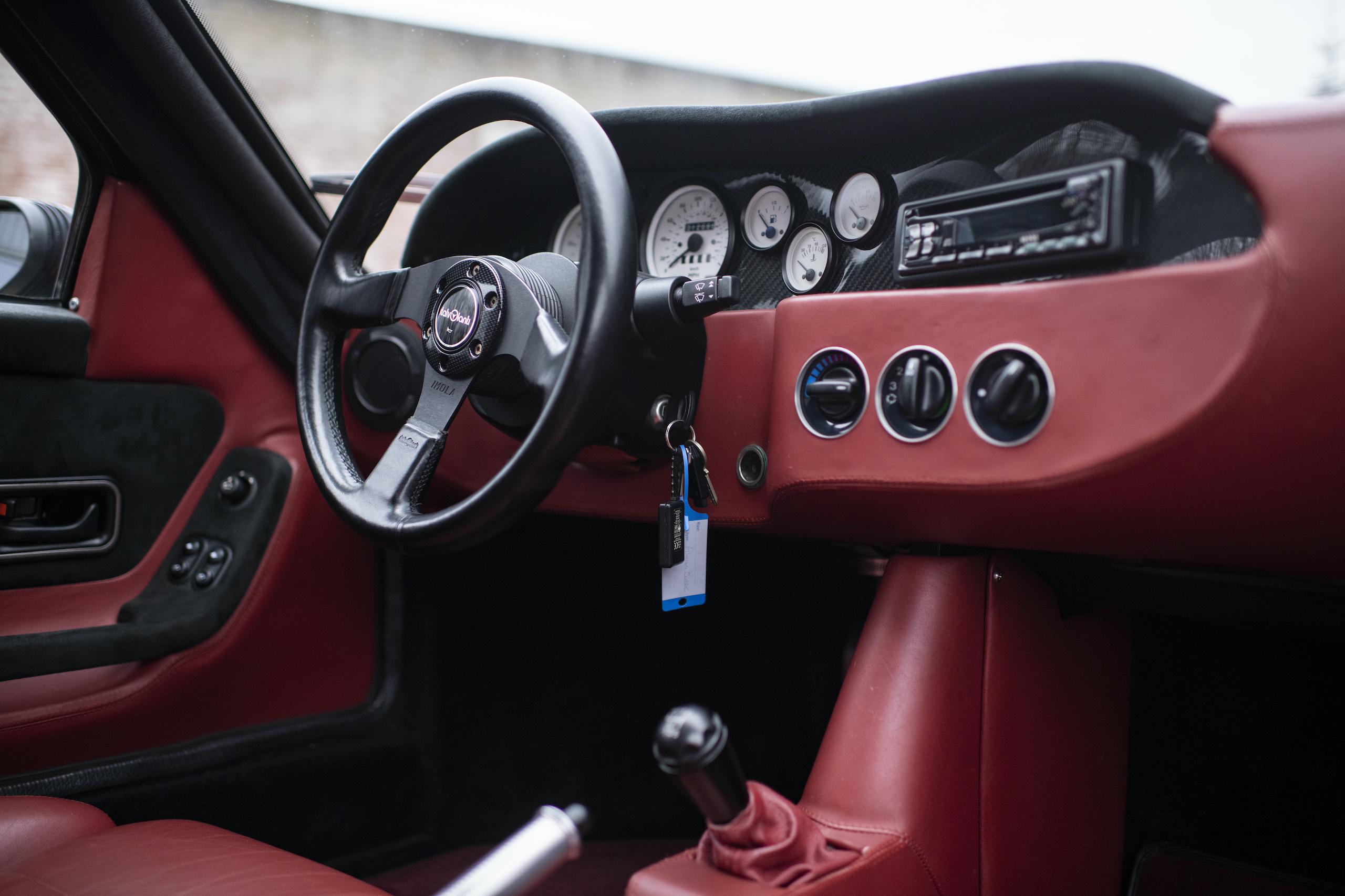 1997 Ascari Ecosse interior front dash