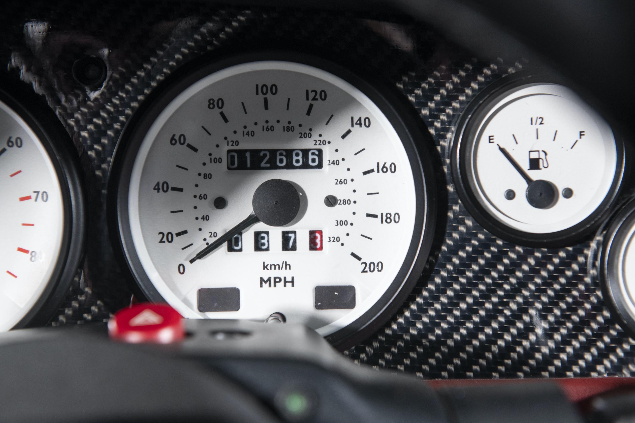 1997 Ascari Ecosse interior dash speedometer
