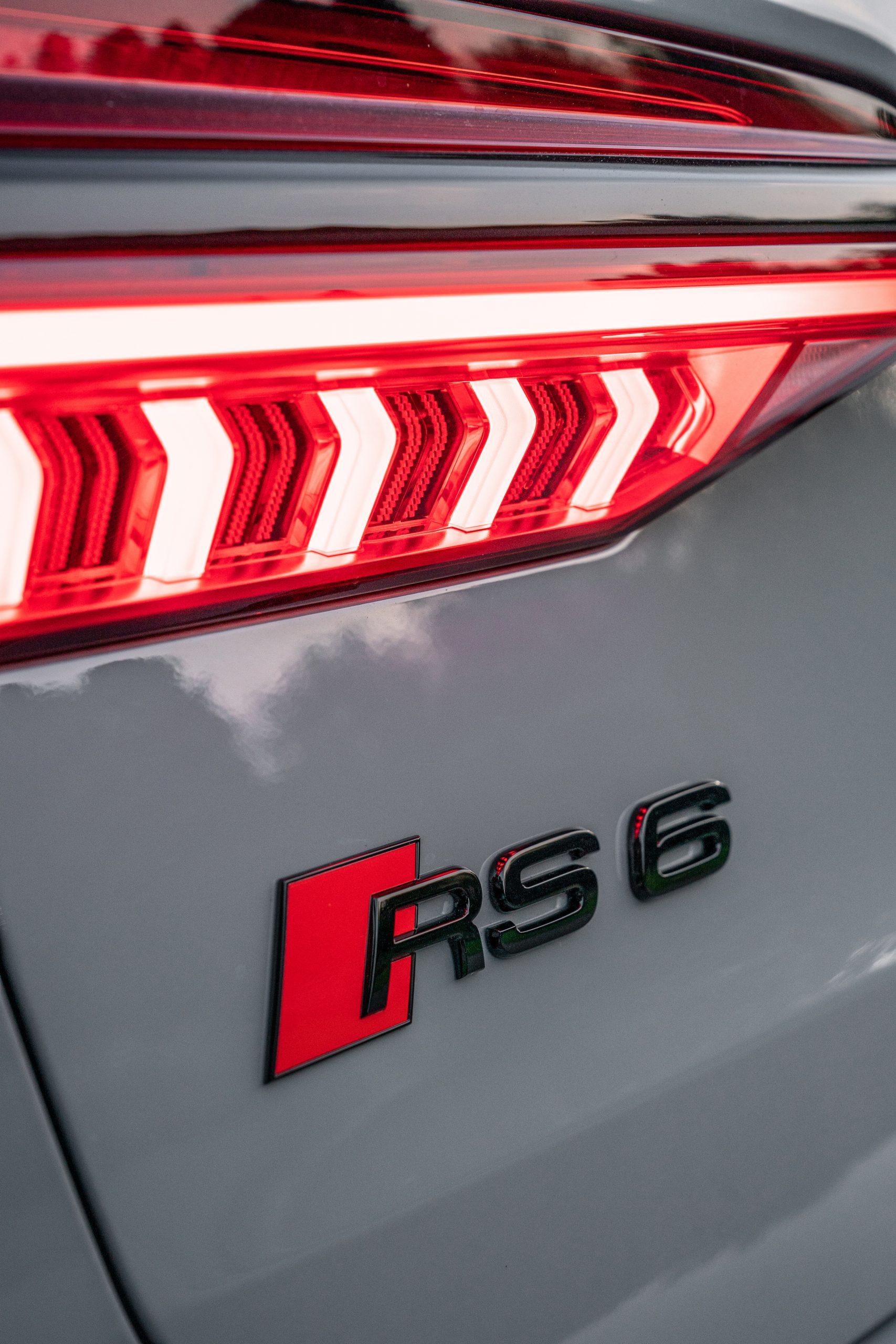 RS 6 Avant Nardo Gray badging detail