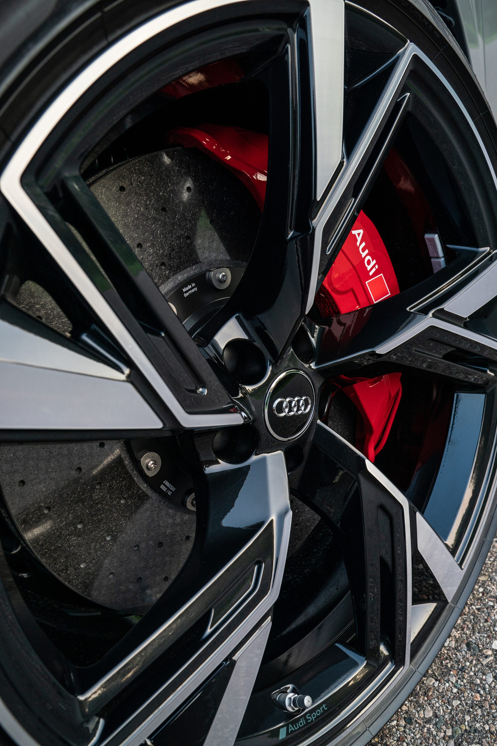 RS 6 Avant Nardo Gray wheel and caliper detail