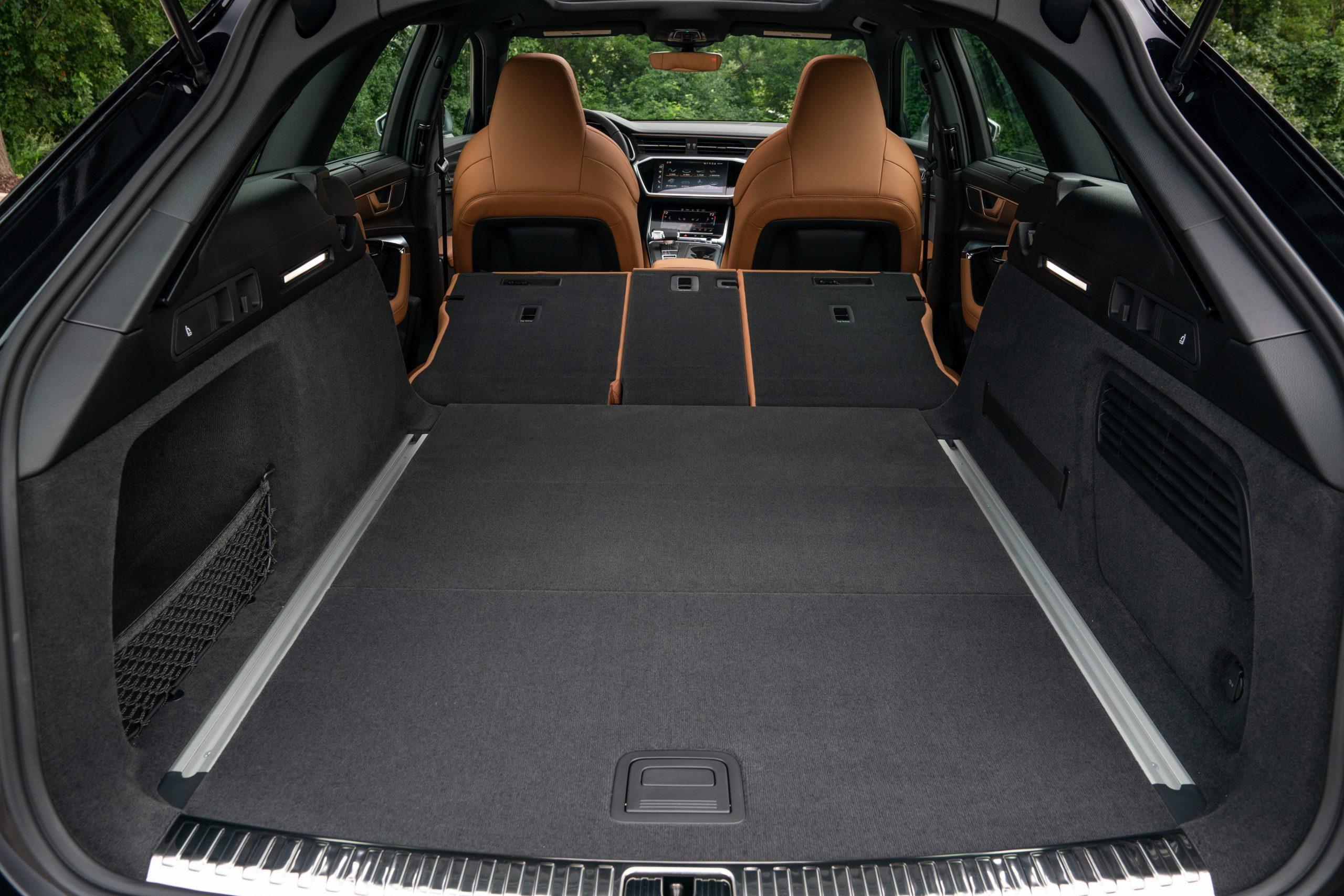 RS 6 Avant Nardo Gray interior rear cargo room area seats down